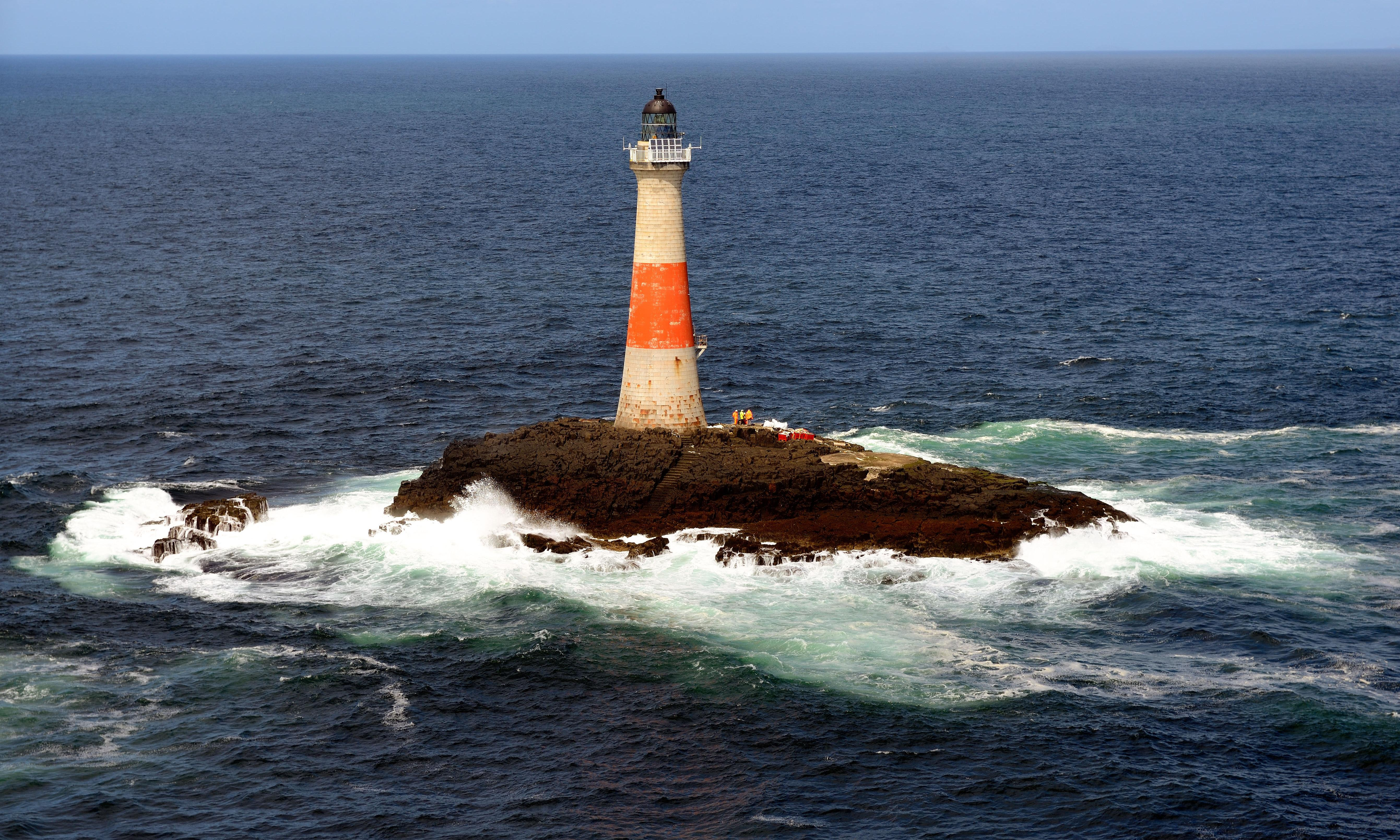 Storms and solitude: the literature of lighthouses