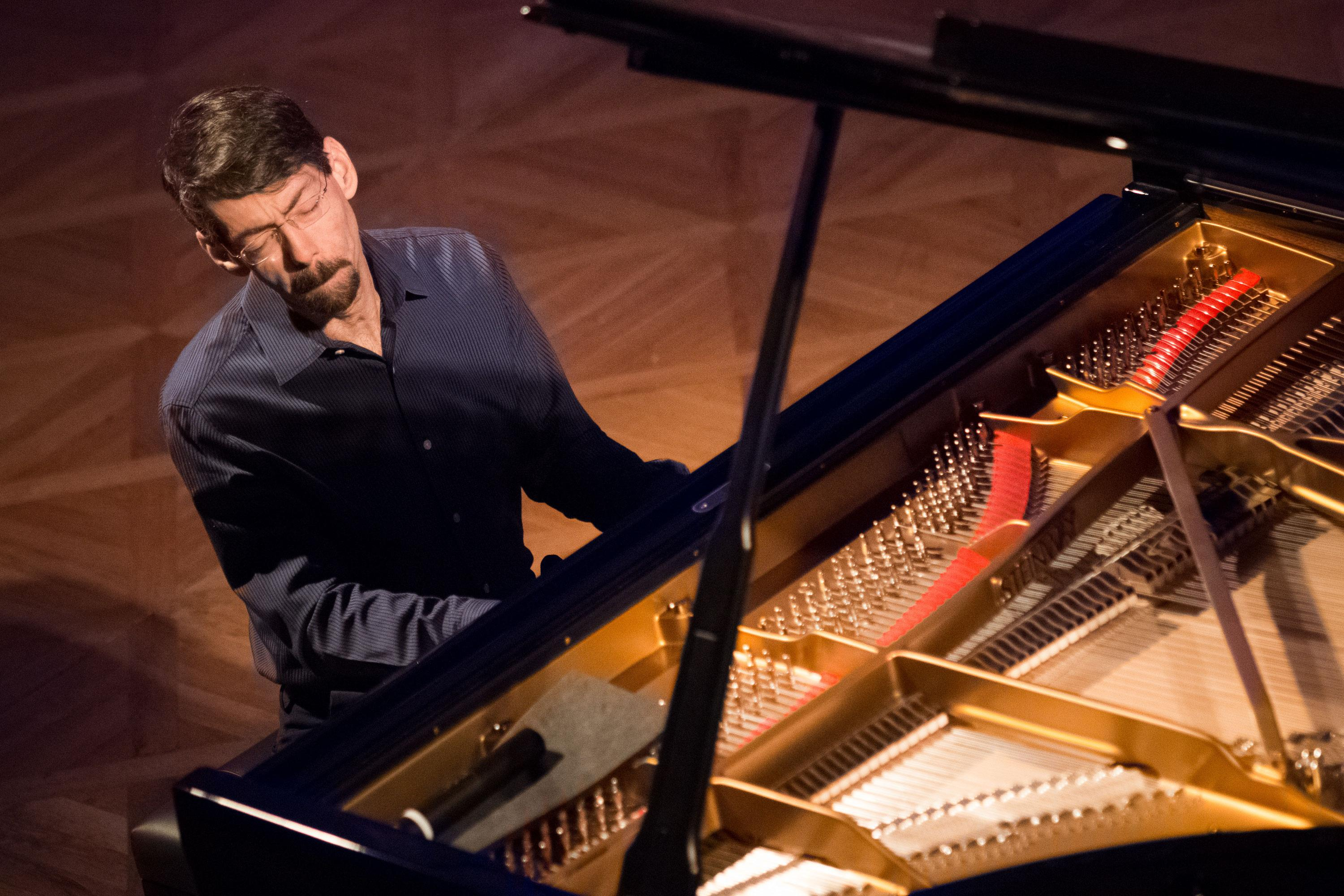 Fred Hersch & the WDR Big Band: Begin Again review – lyrical and terrifying