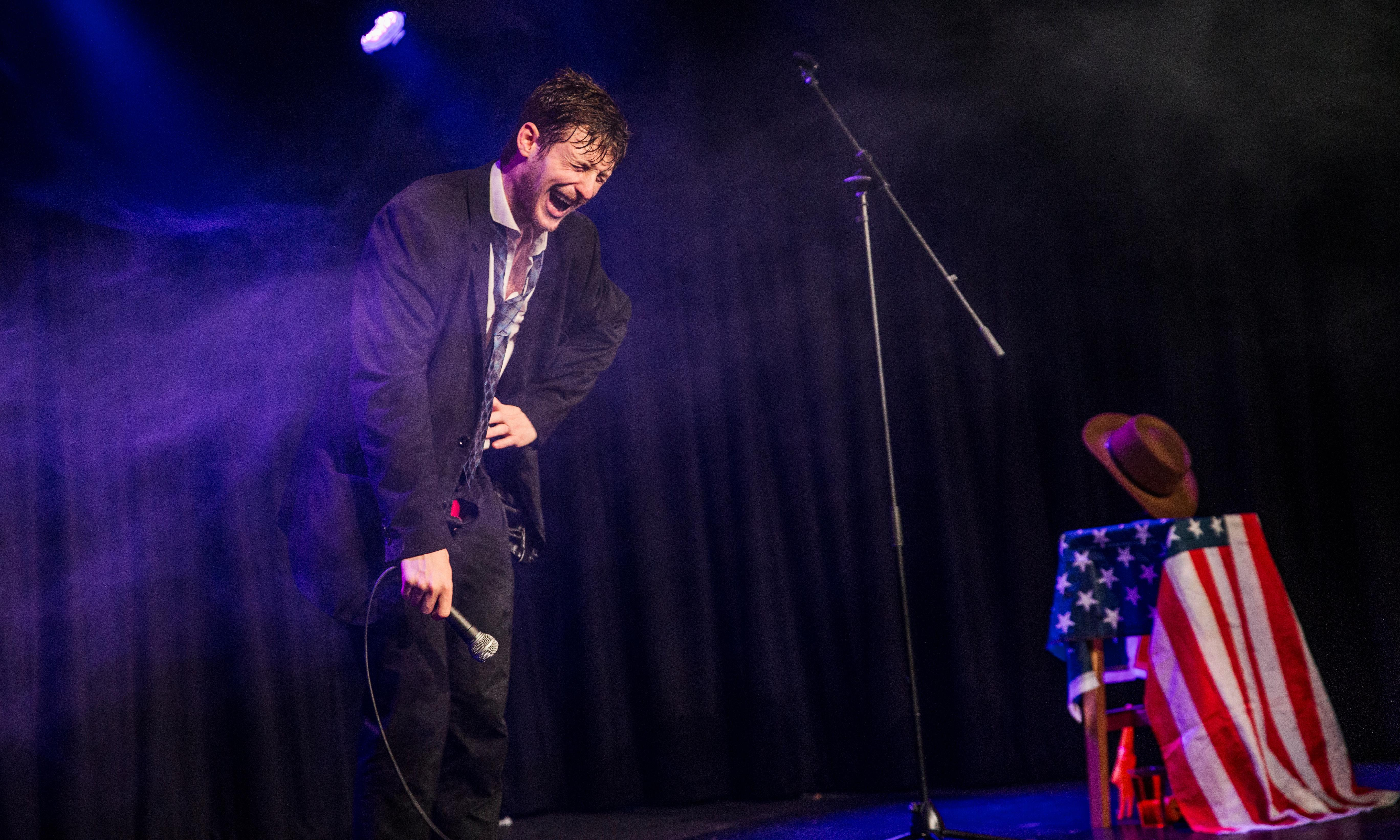 Jack Tucker review – washed-up standup pans for comedy gold