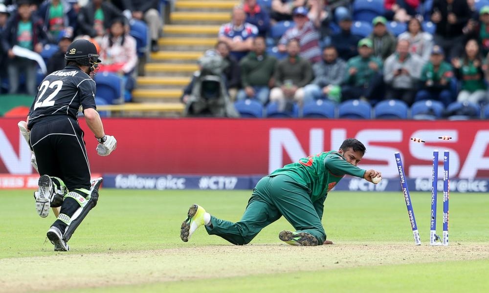 Kane Williamson of New Zealand is ran out by Shakib Al Hasan of Bangladesh.