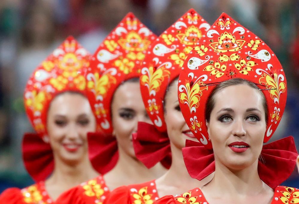Women in traditional dress in Nizhny Novgorod