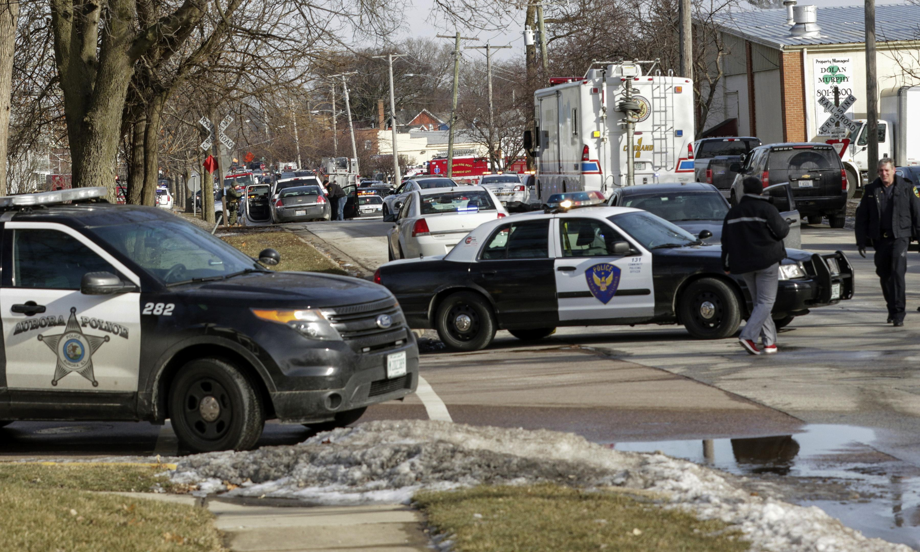 Aurora shooting: at least five people killed in Illinois warehouse