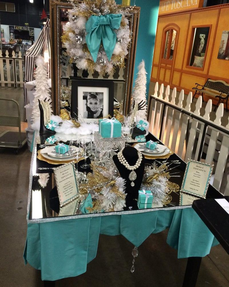 Bonnie Overman's Breakfast at Tiffany's tablescape.
