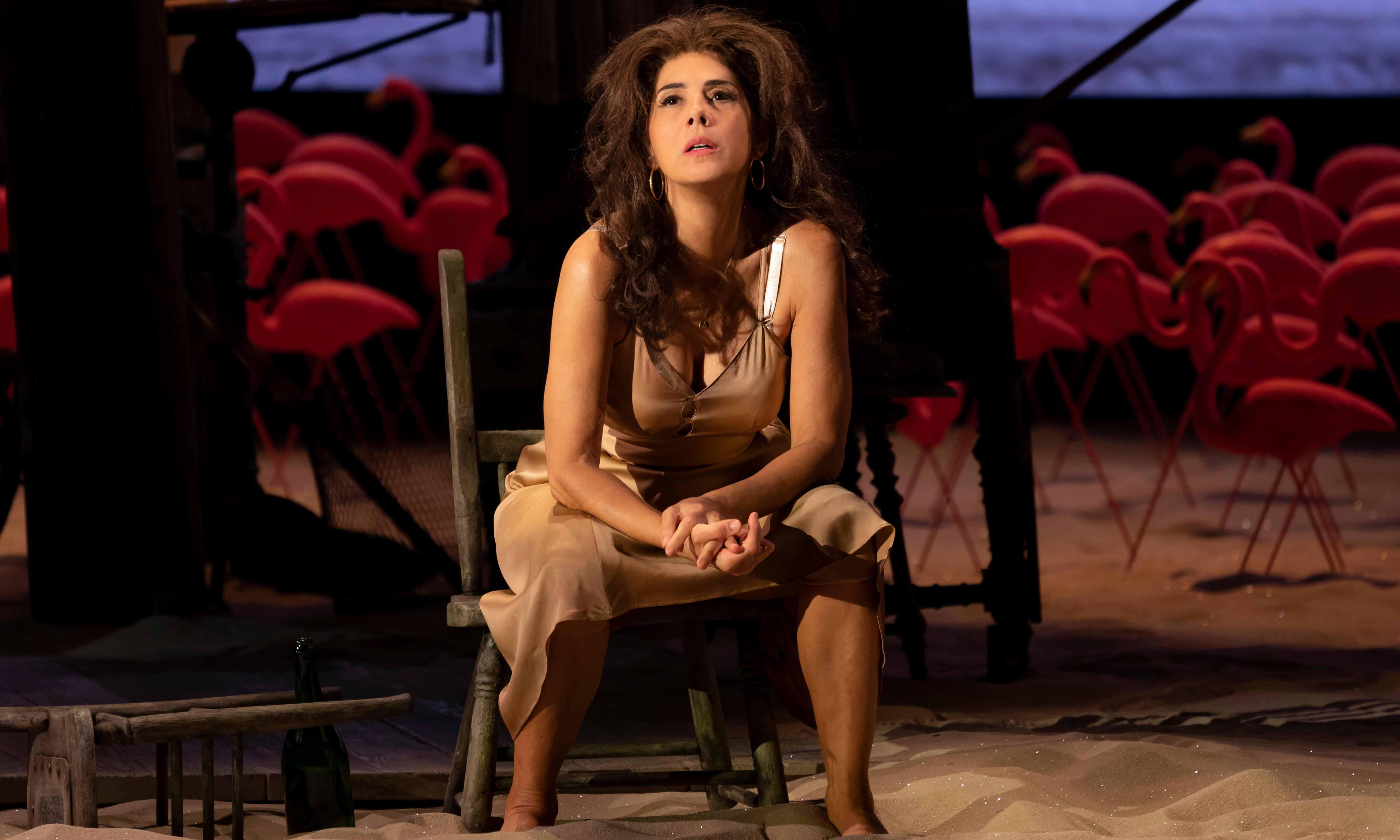 The Rose Tattoo review – Marisa Tomei is wasted in Broadway farce