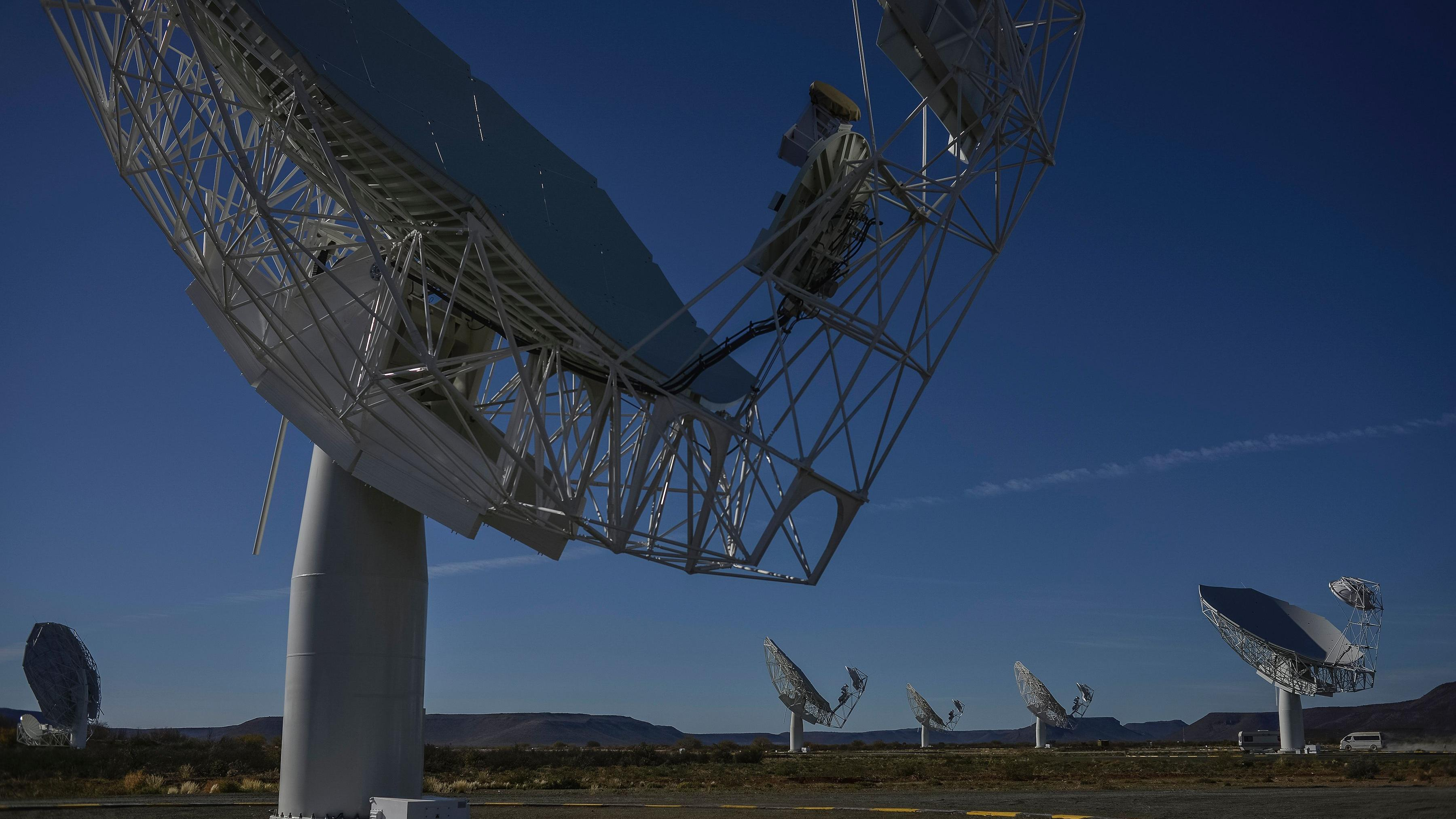 South African super-telescope reveals distant galaxies and black holes
