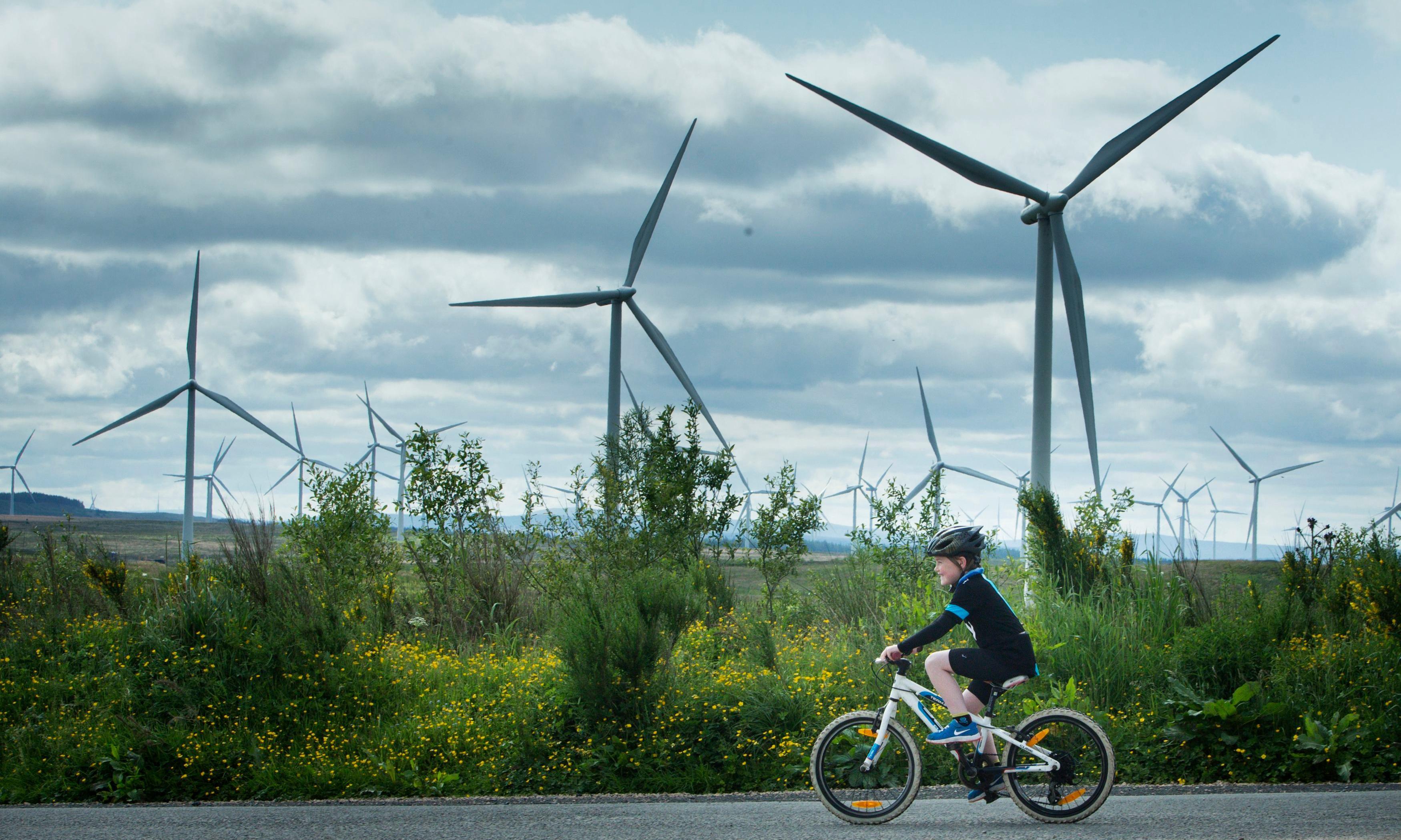 Scottish Power plans to build solar panels beside windfarms