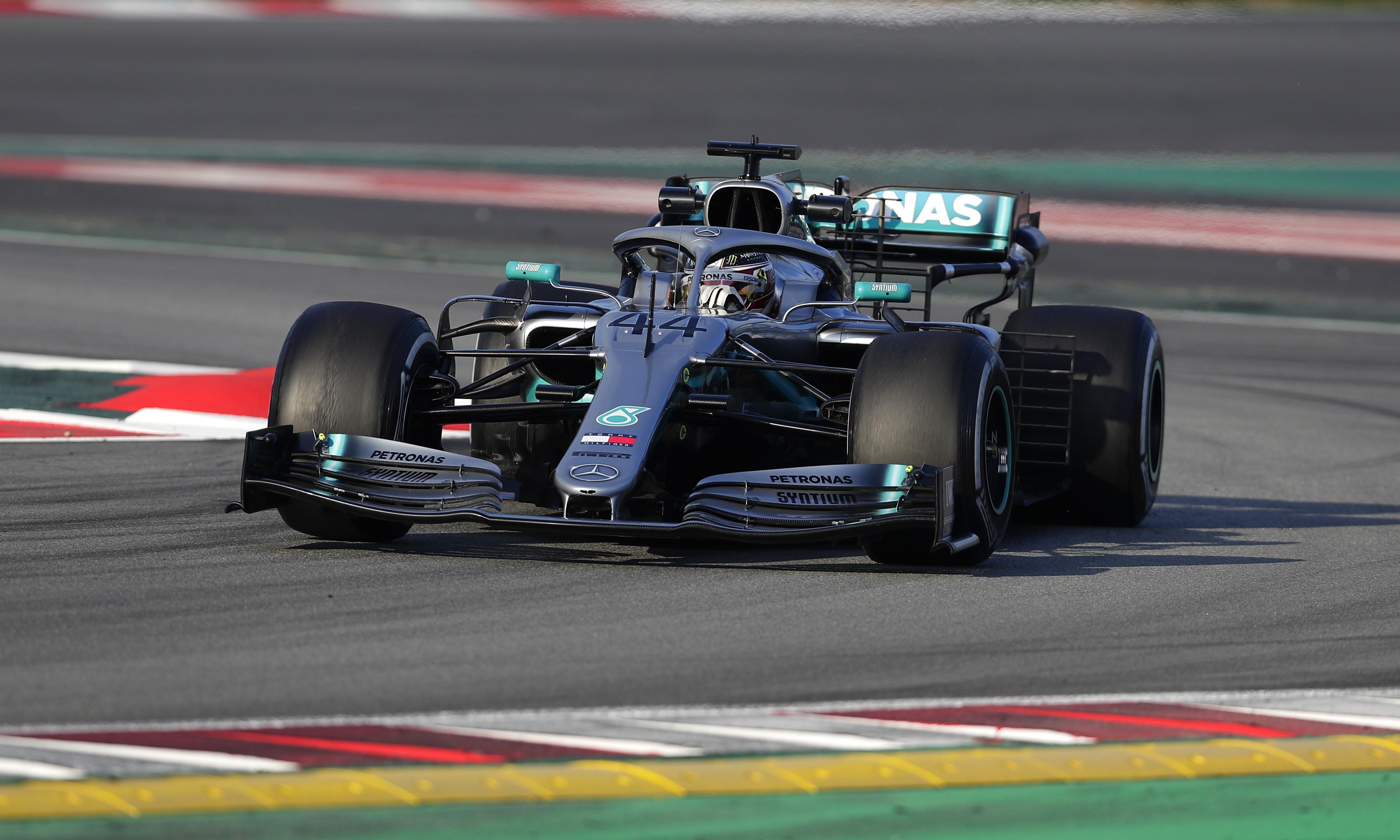 Mercedes enjoy constructive winter but Williams sleep through alarm