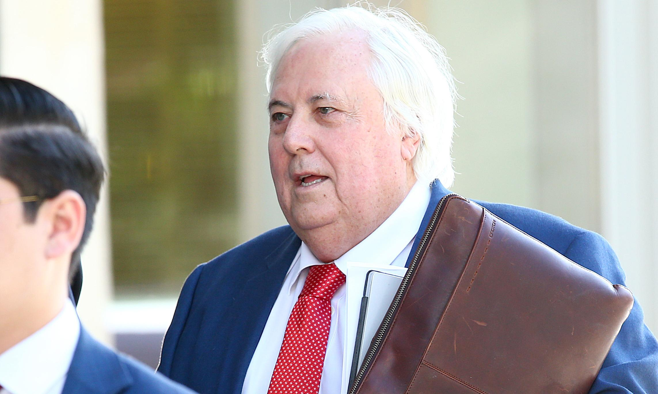 Clive Palmer company reapplies for mine four times size of Adani's Carmichael