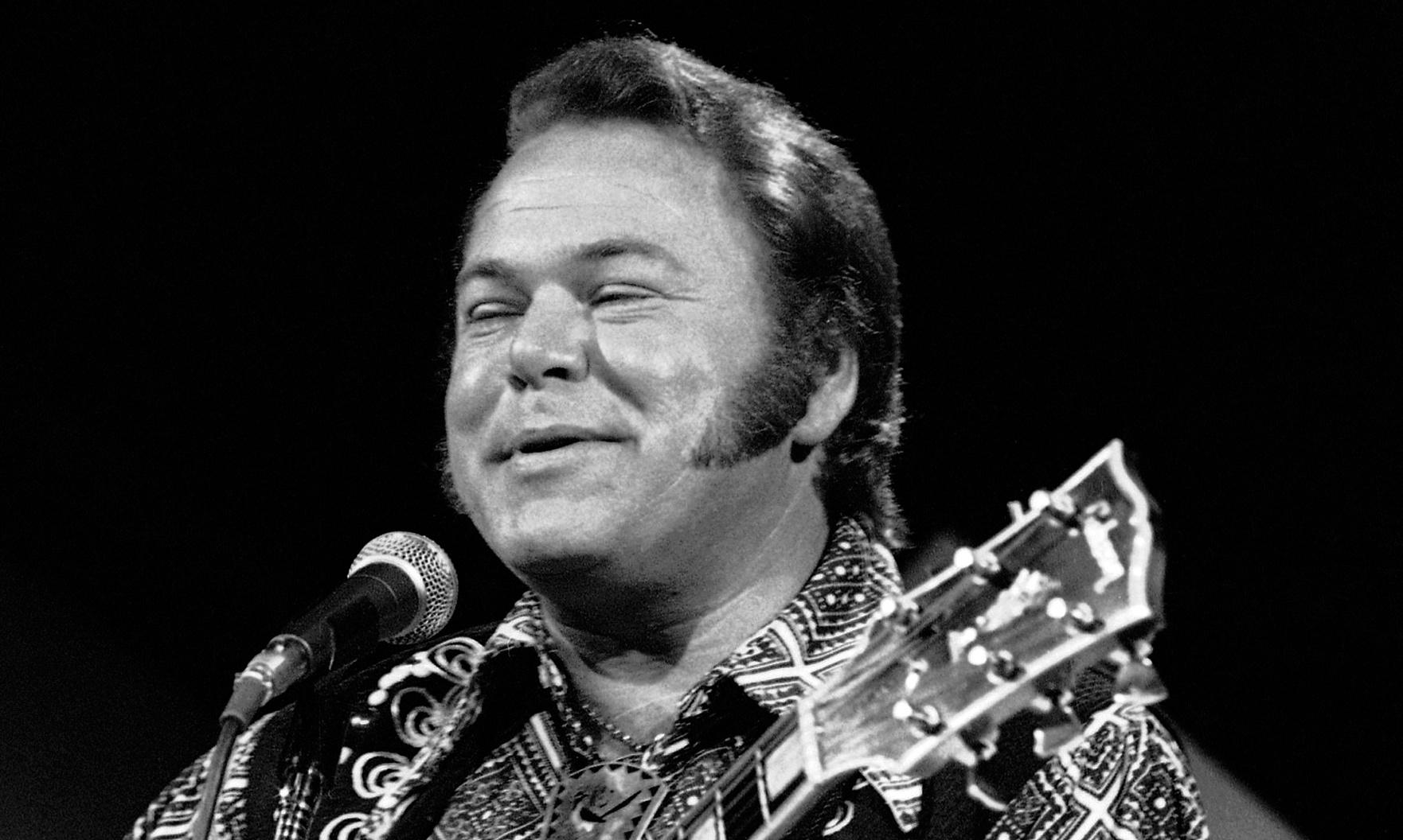 Country music guitarist Roy Clark dies aged 85