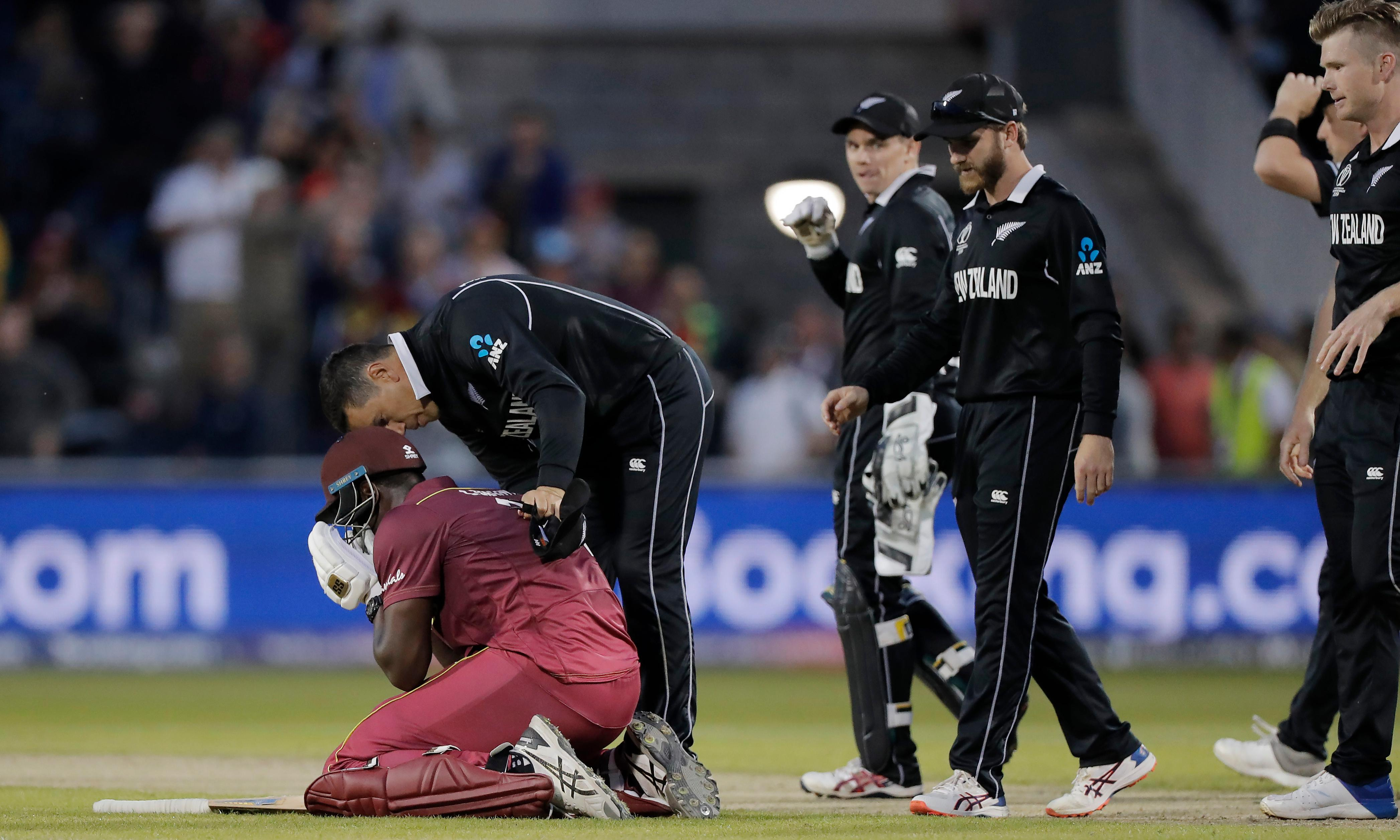 New Zealand foil dramatic big hitting by West Indies' Carlos Brathwaite