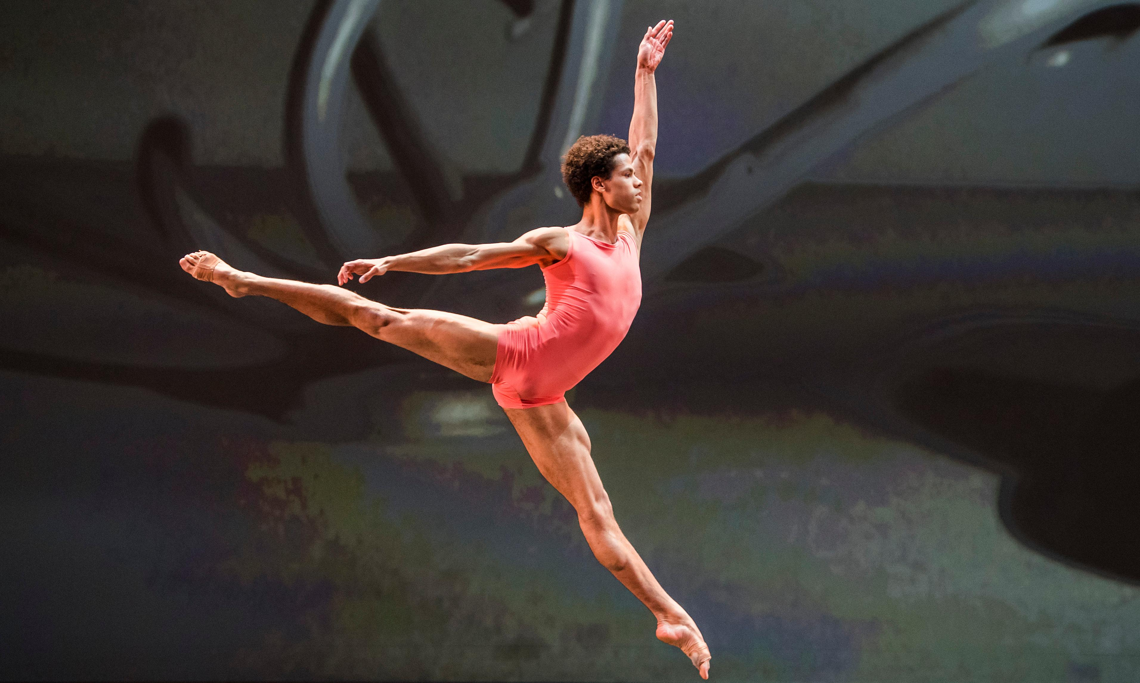 Night of 100 Solos review – a fresh and radical Merce Cunningham experience