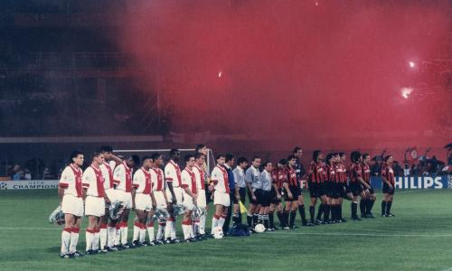 Champions League - Ajax v AC Milan<br>The teams line up before the Champions League final match between Ajax Amsterdam and AC Milan on May 24, 1995 in Vienna, Austria.(Photo by VI Images via Getty Images)