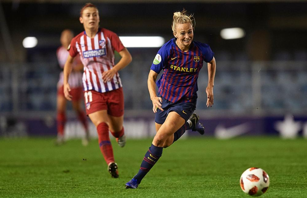 Toni Duggan scored an injury-time winner for Barcelona against Atlético Madrid.