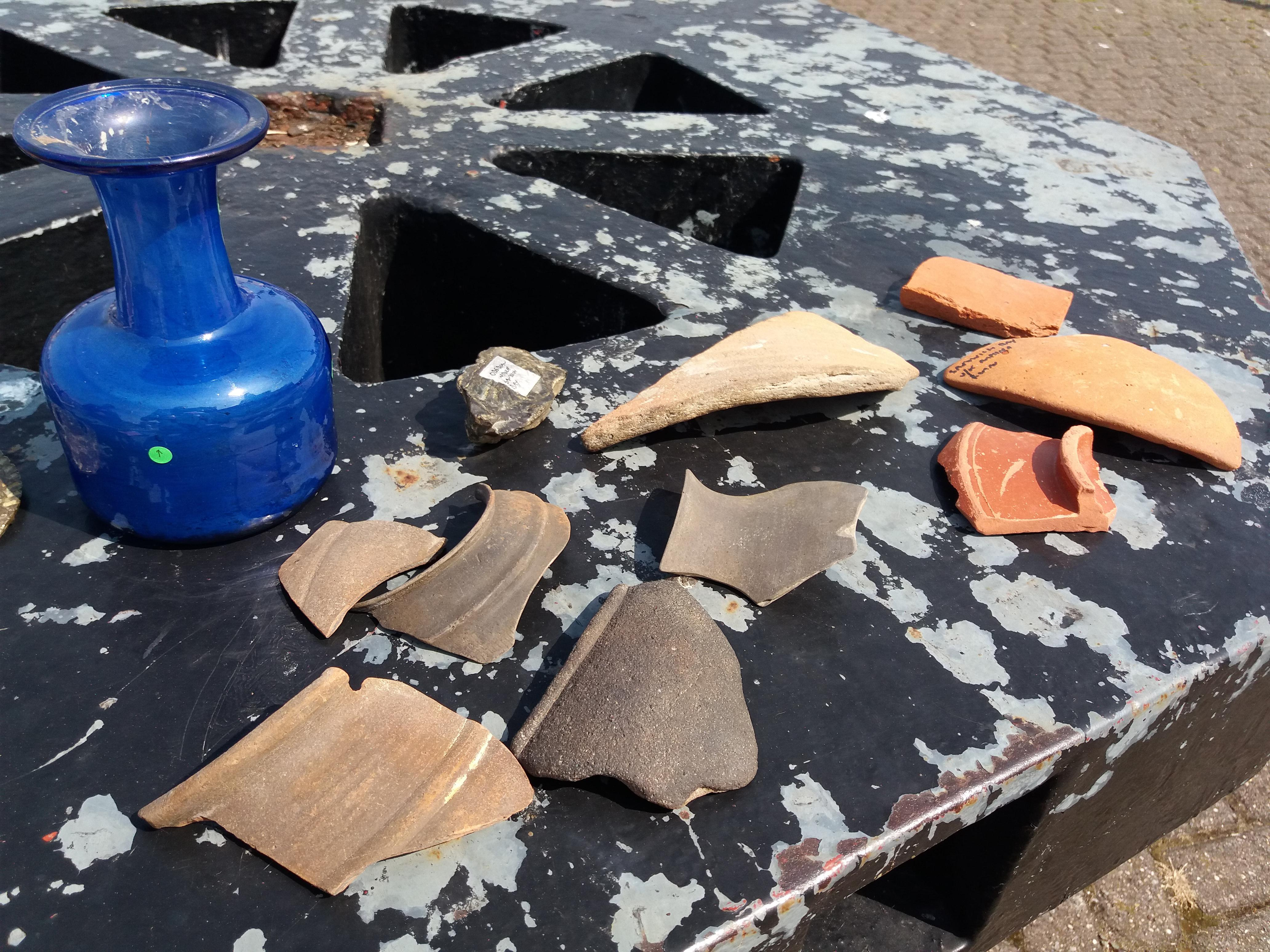 Kayaker finds rare Roman glass and pottery off Kent coast