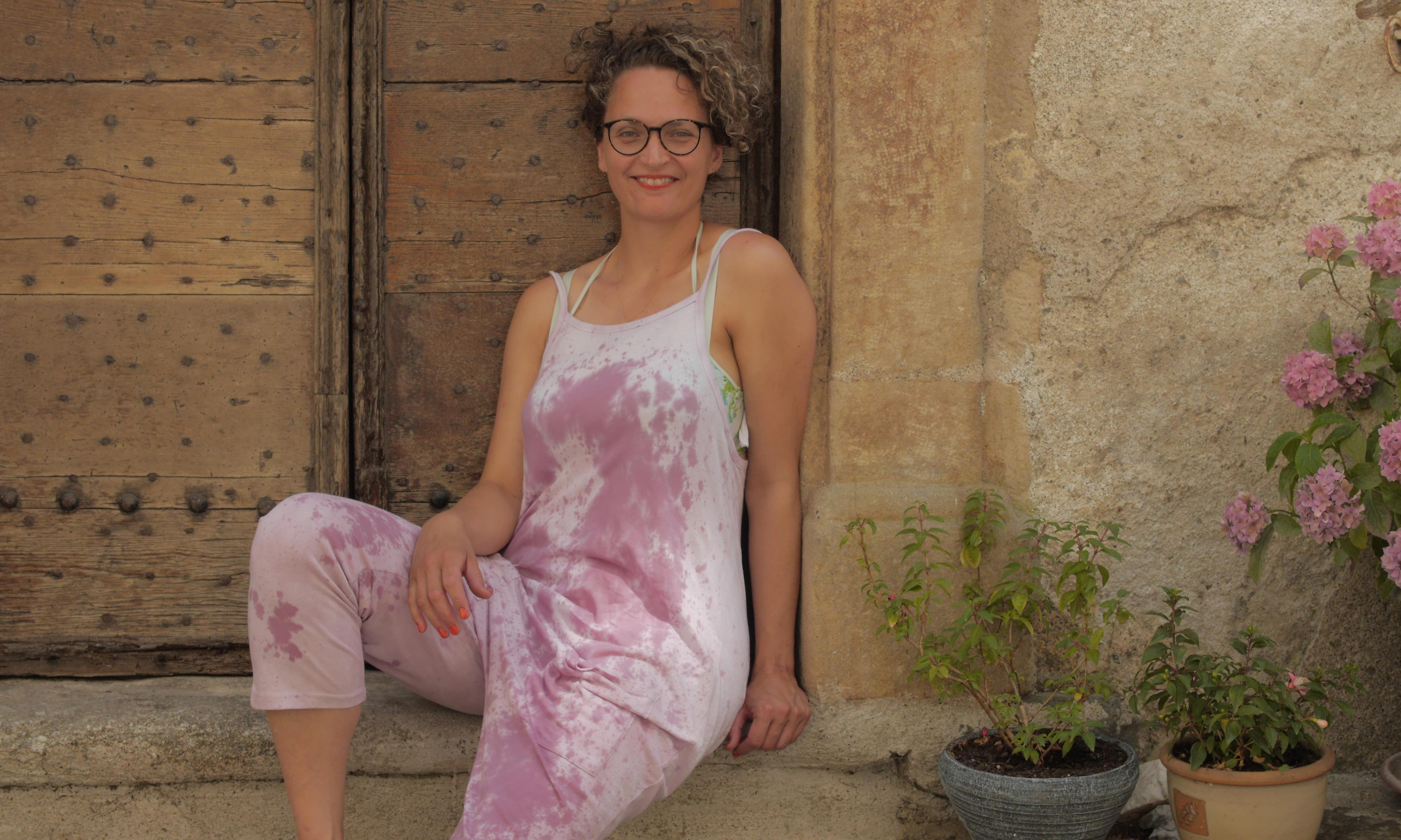 'I smell like a broad on a bender' – why I decided to tie-dye my clothes with wine
