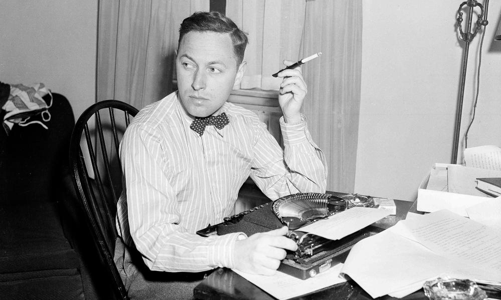 Tennessee Williams at his desk in 1940