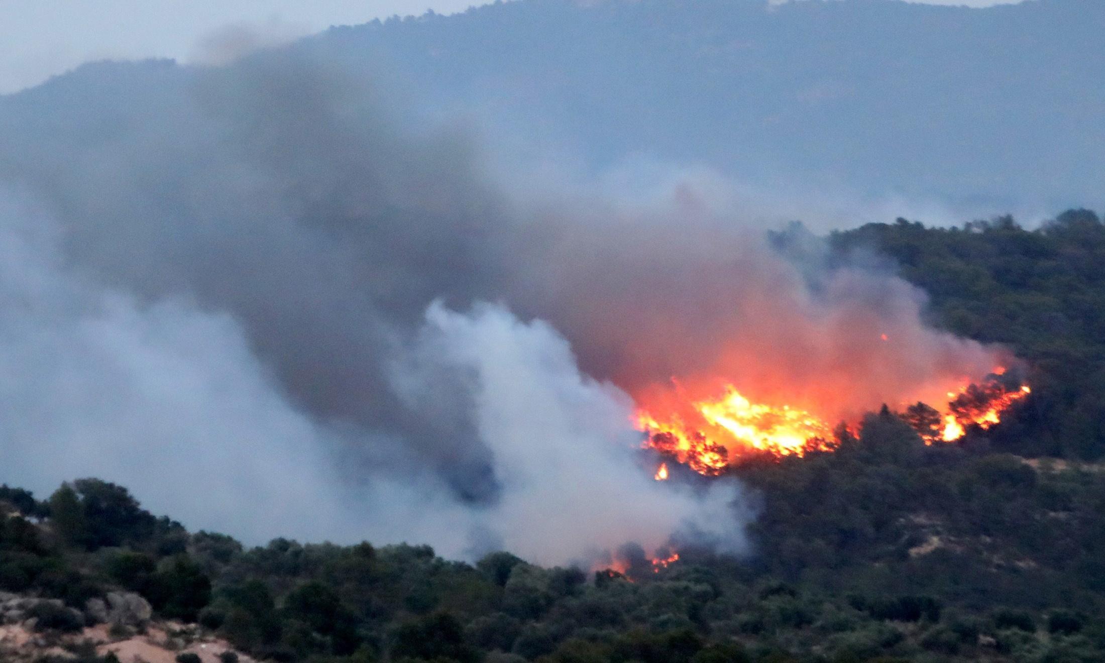 Spain fights huge forest fire as European heatwave intensifies