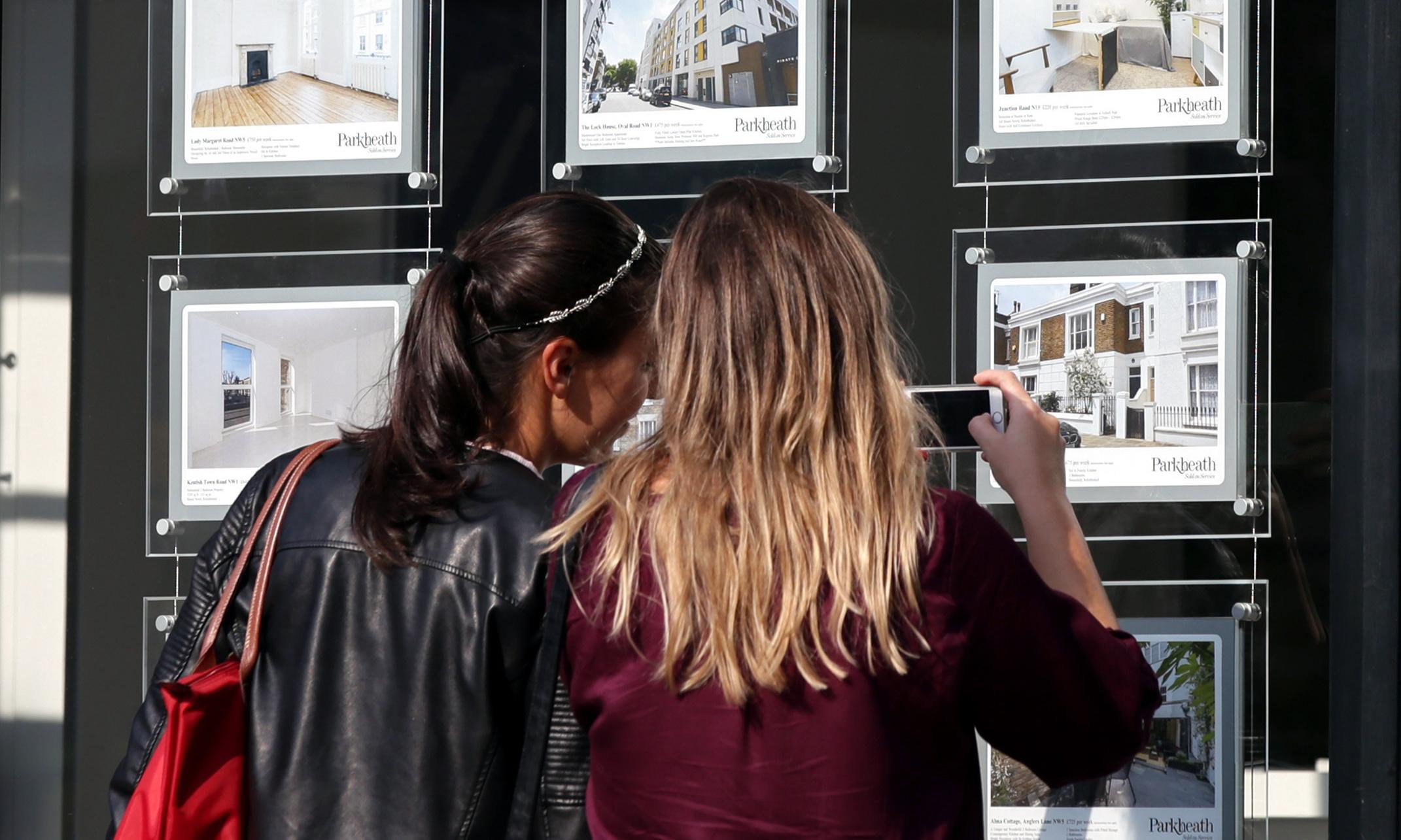 UK house prices likely to keep falling for another six months