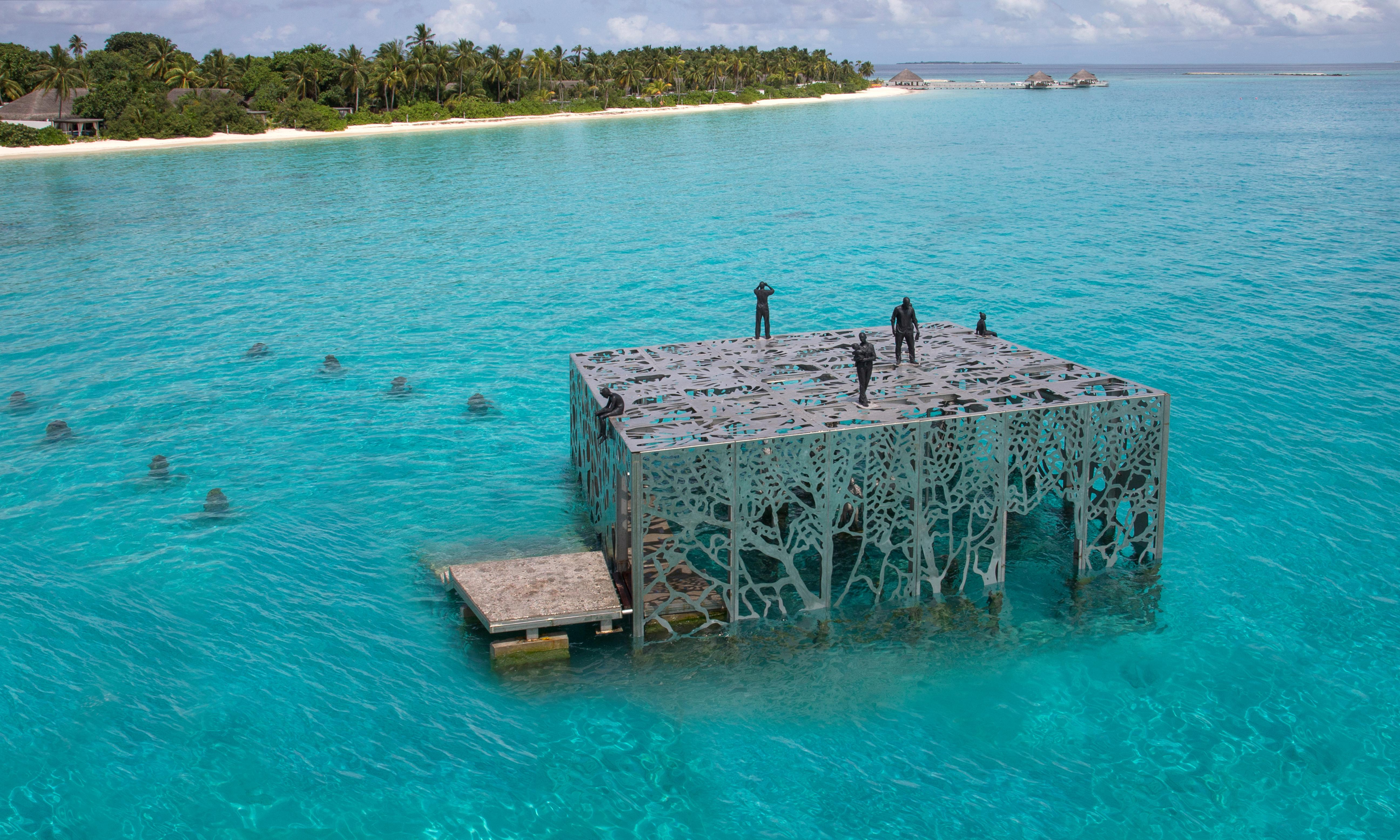 Maldives marine artwork destroyed for being a 'threat to Islamic unity'
