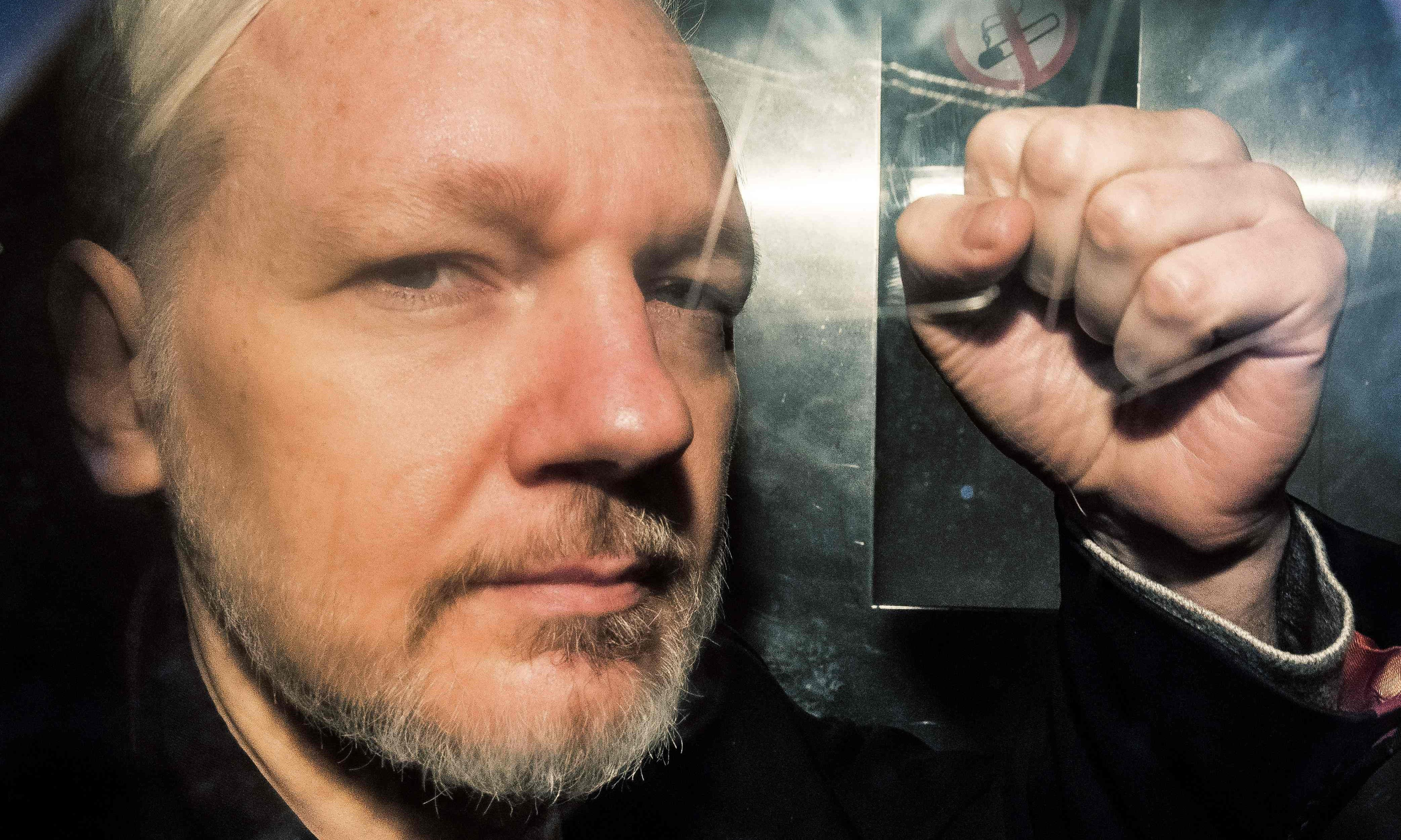 Julian Assange to face US extradition hearing in UK next year