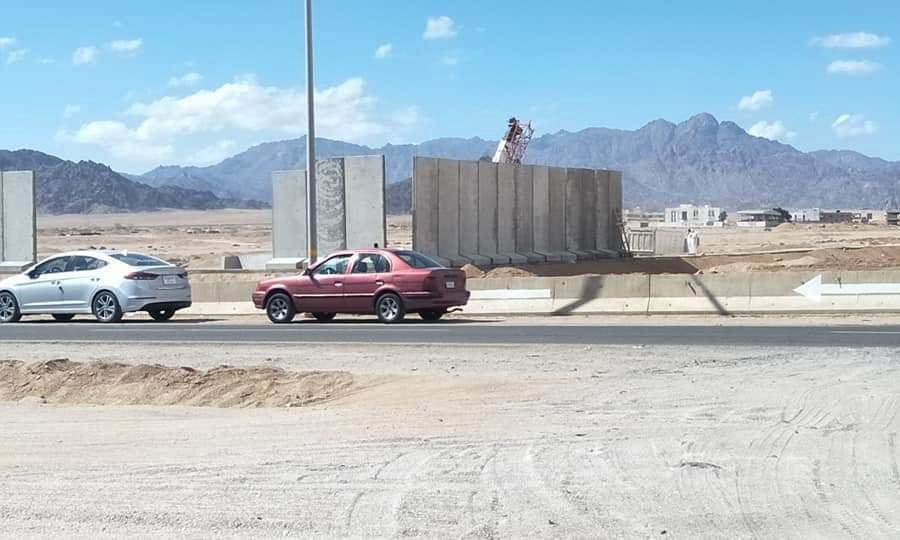 Sharm el-Sheikh locals lament 'wall' going up around resort