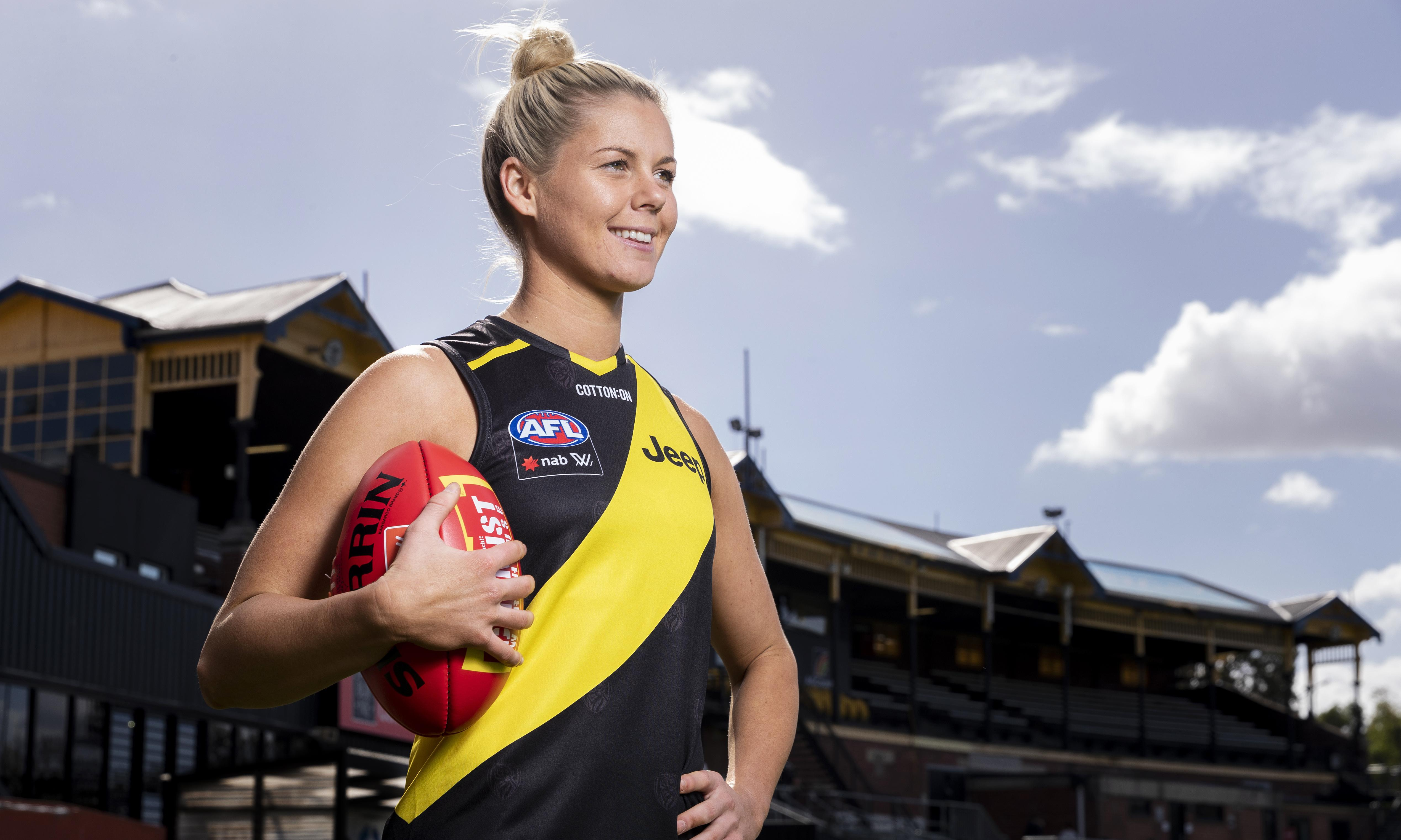 Players and fans not to blame for frenzied movement across AFLW teams