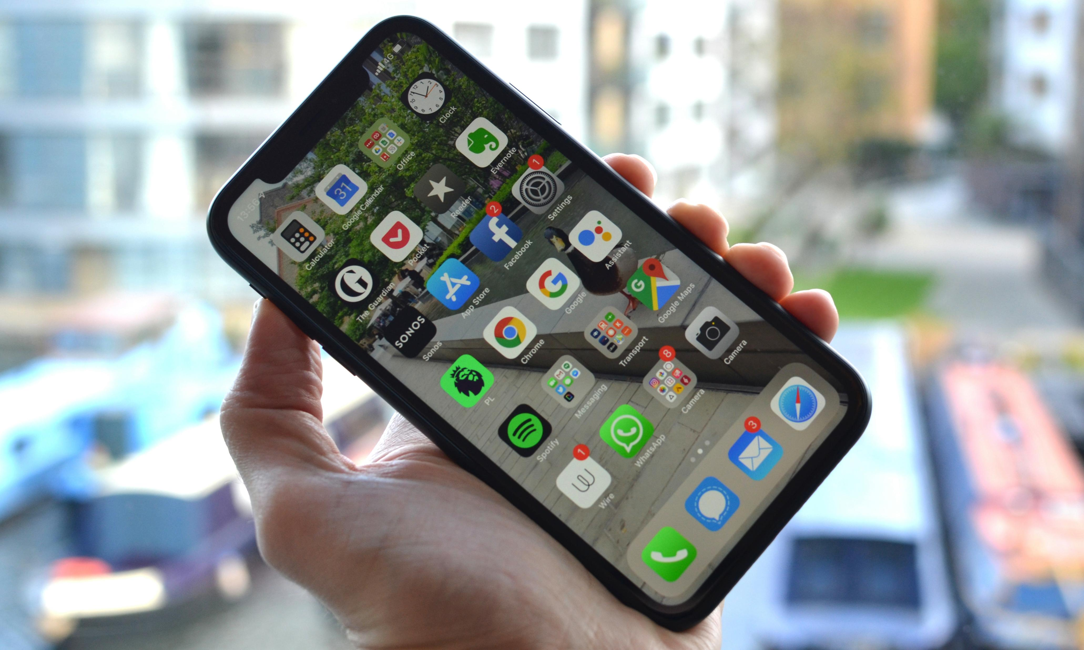 iPhone XR review: Apple's cheaper battery king