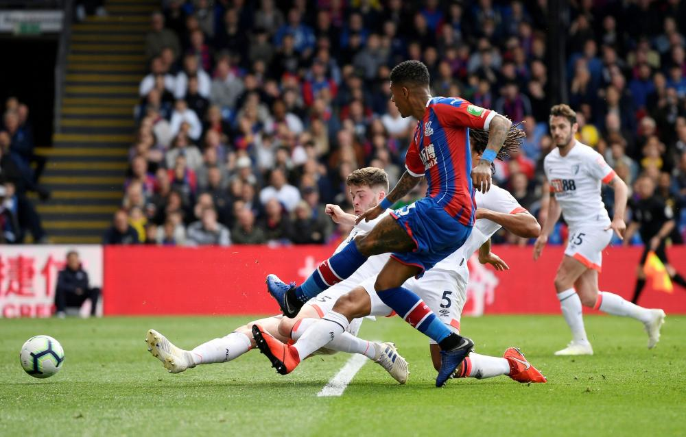Van Aanholt scores the fourth for Palace.