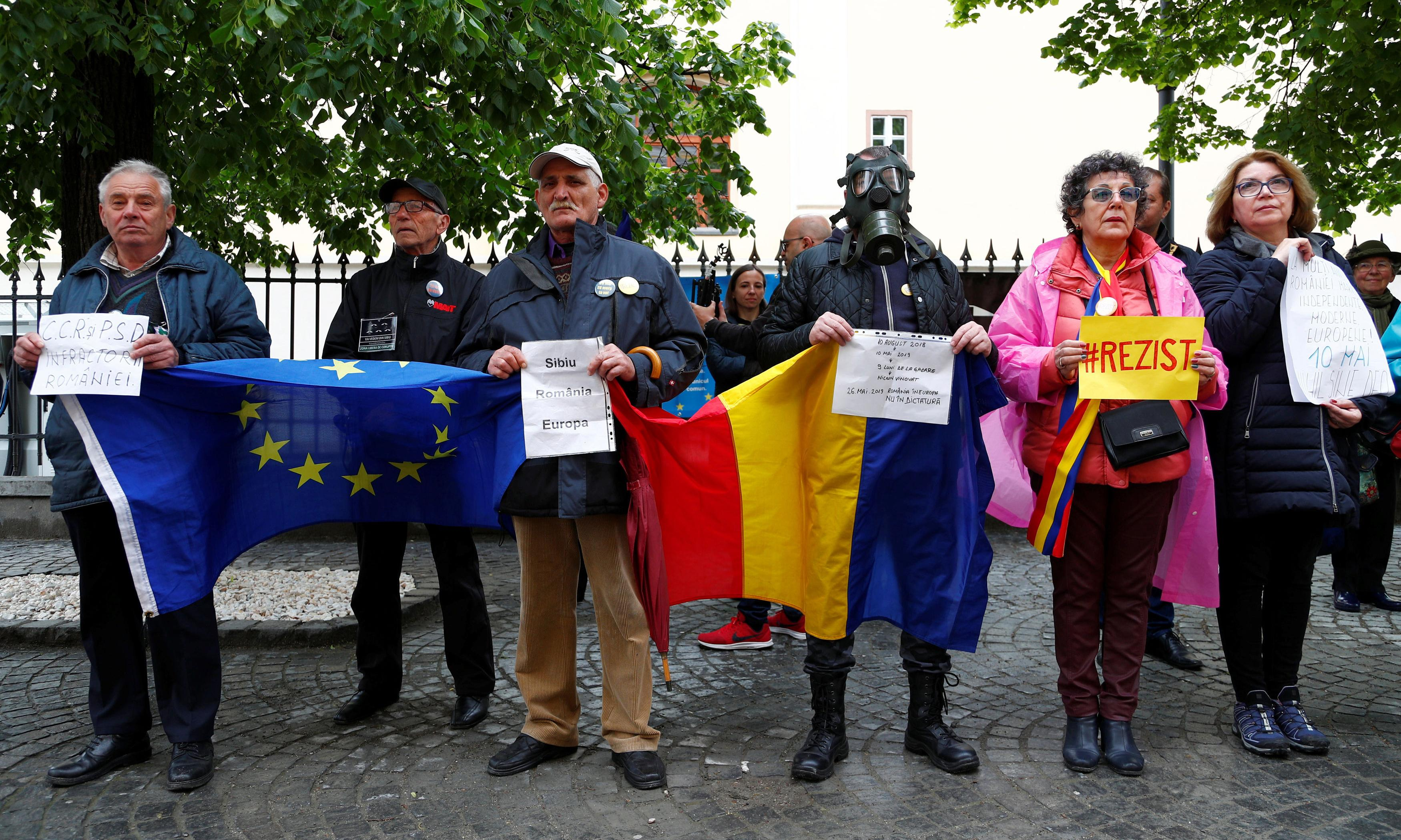 'We are watching you': the 500-day protest against corruption in Romania