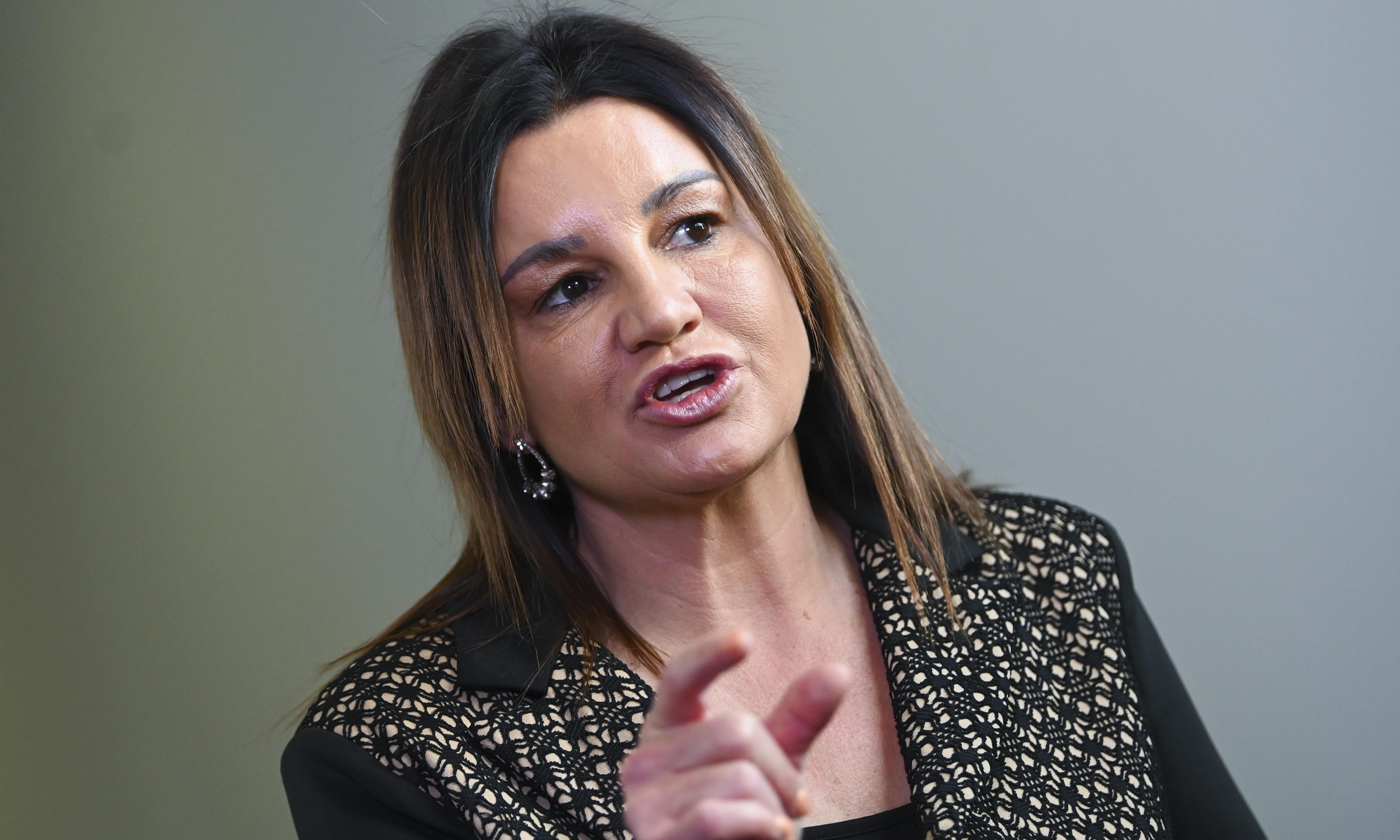 Coalition woos Jacqui Lambie to back migration character test crackdown