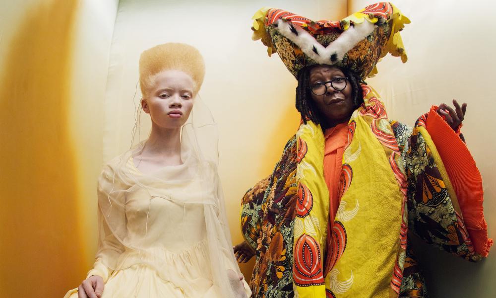 Whoopi Goldberg and Thando Hopa as the Royal Duchess and Princess of Hearts