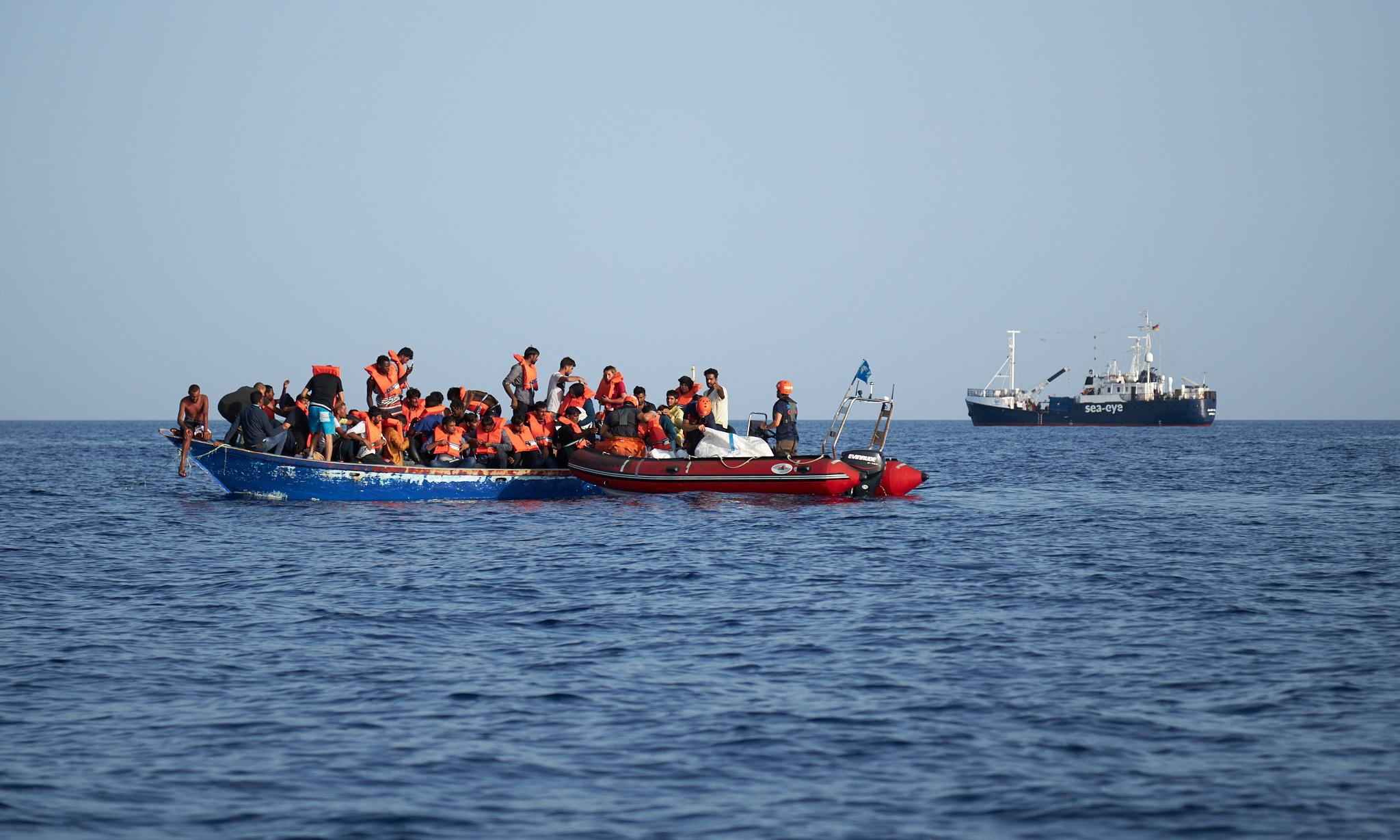 EU countries agree plan to handle migrants and refugees