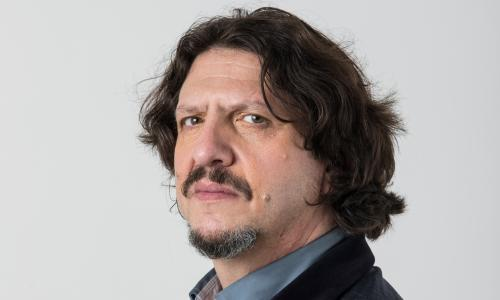 Jay rayner, the world's greatest food critic photographed at the Guardian Studion in London before Brexit. Jay Rayner is a British journalist, writer, broadcaster, food critic and jazz musician.