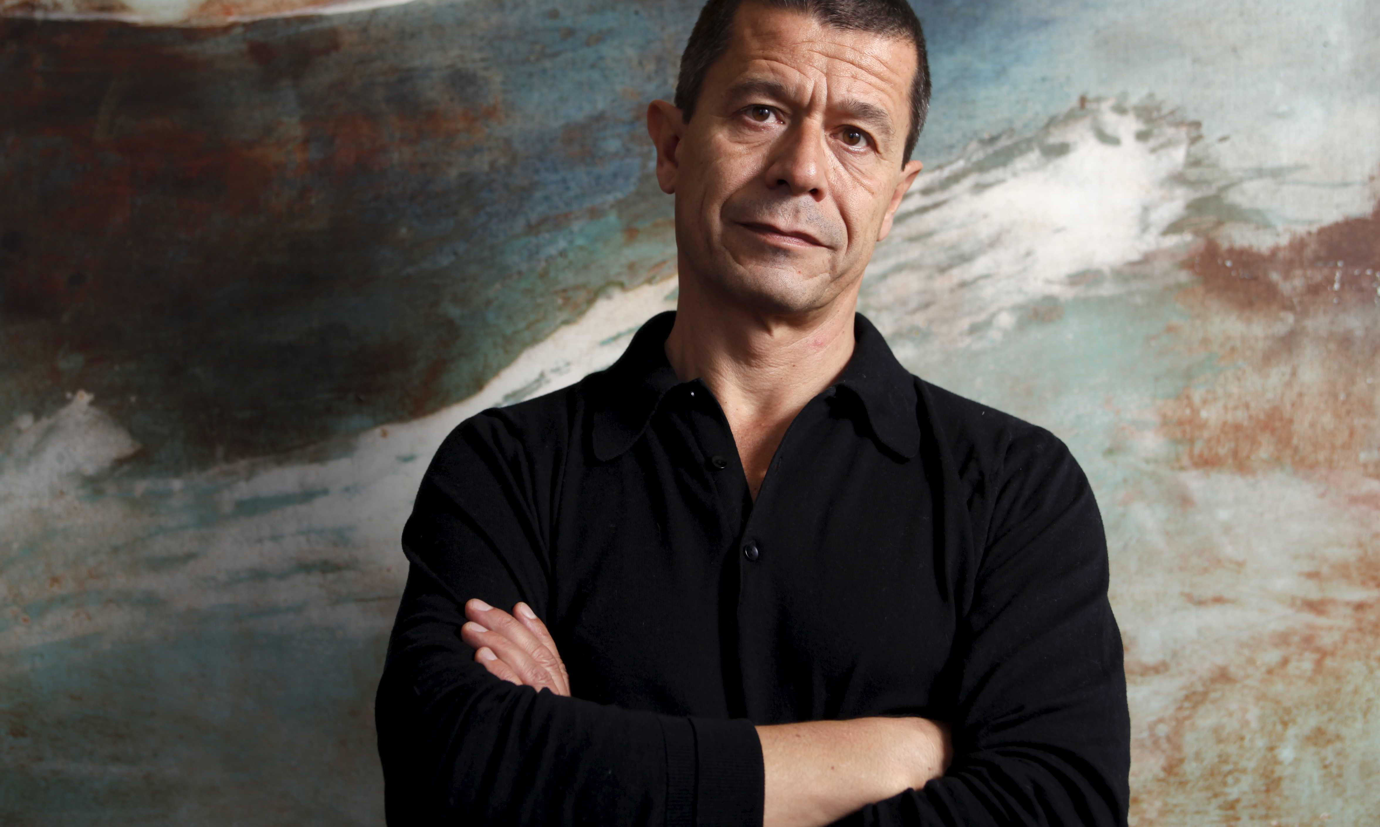 97,196 Words by Emmanuel Carrère review – essays from a French superstar writer