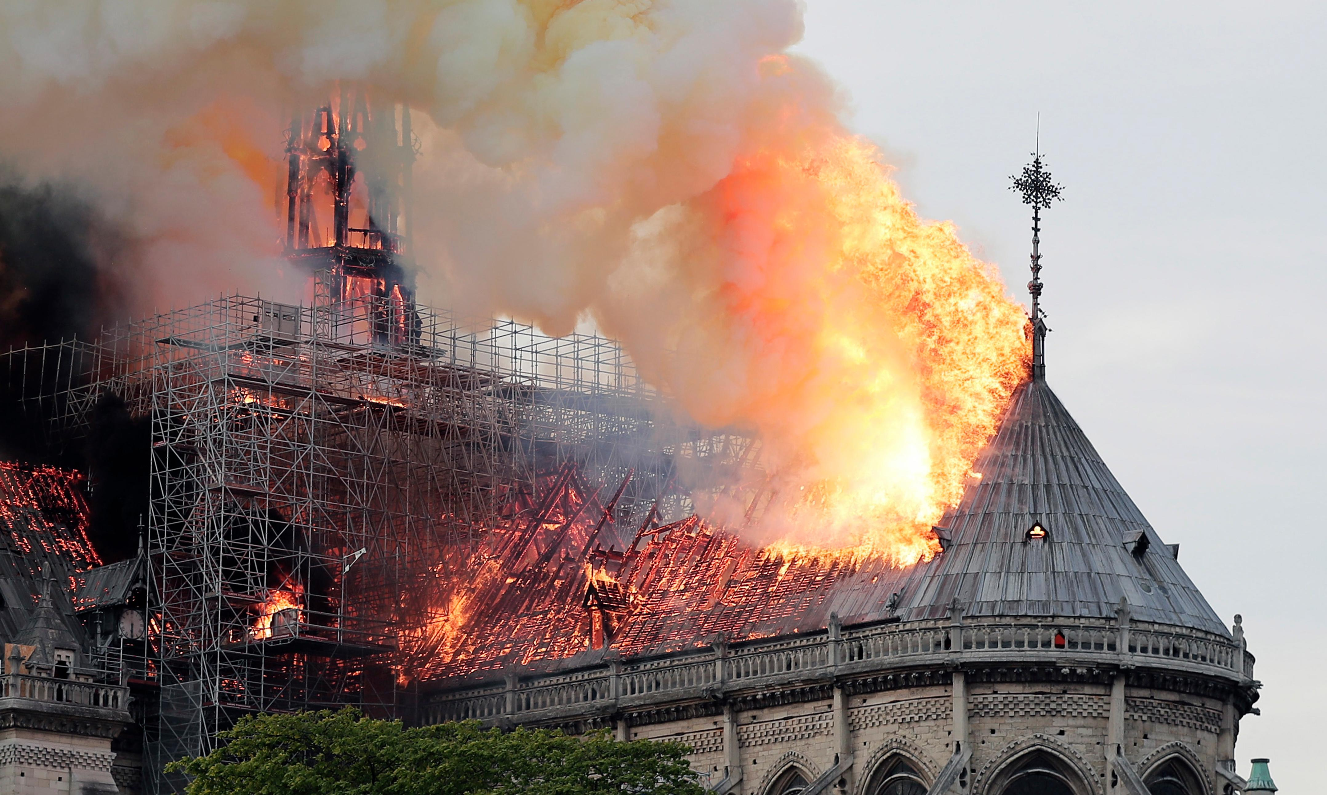World leaders react to devastating Notre Dame fire in Paris