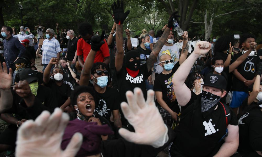 Protestors made their way to the White House where they faced a police response with some clashing with the secret service members.