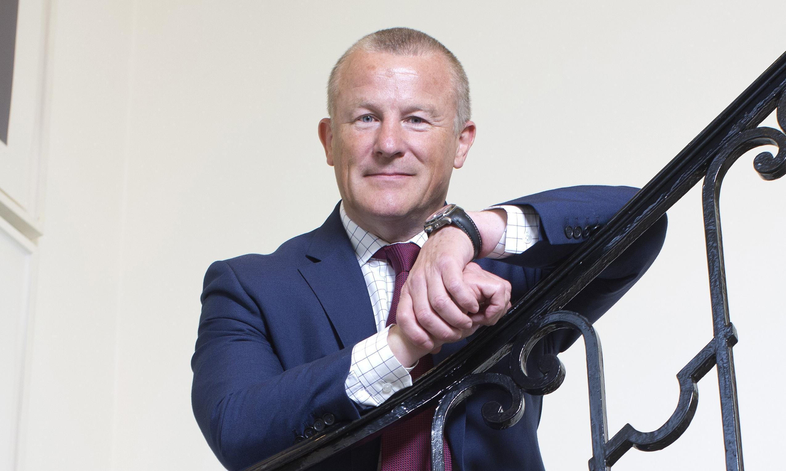 Neil Woodford blocks investors from pulling cash from flagship fund