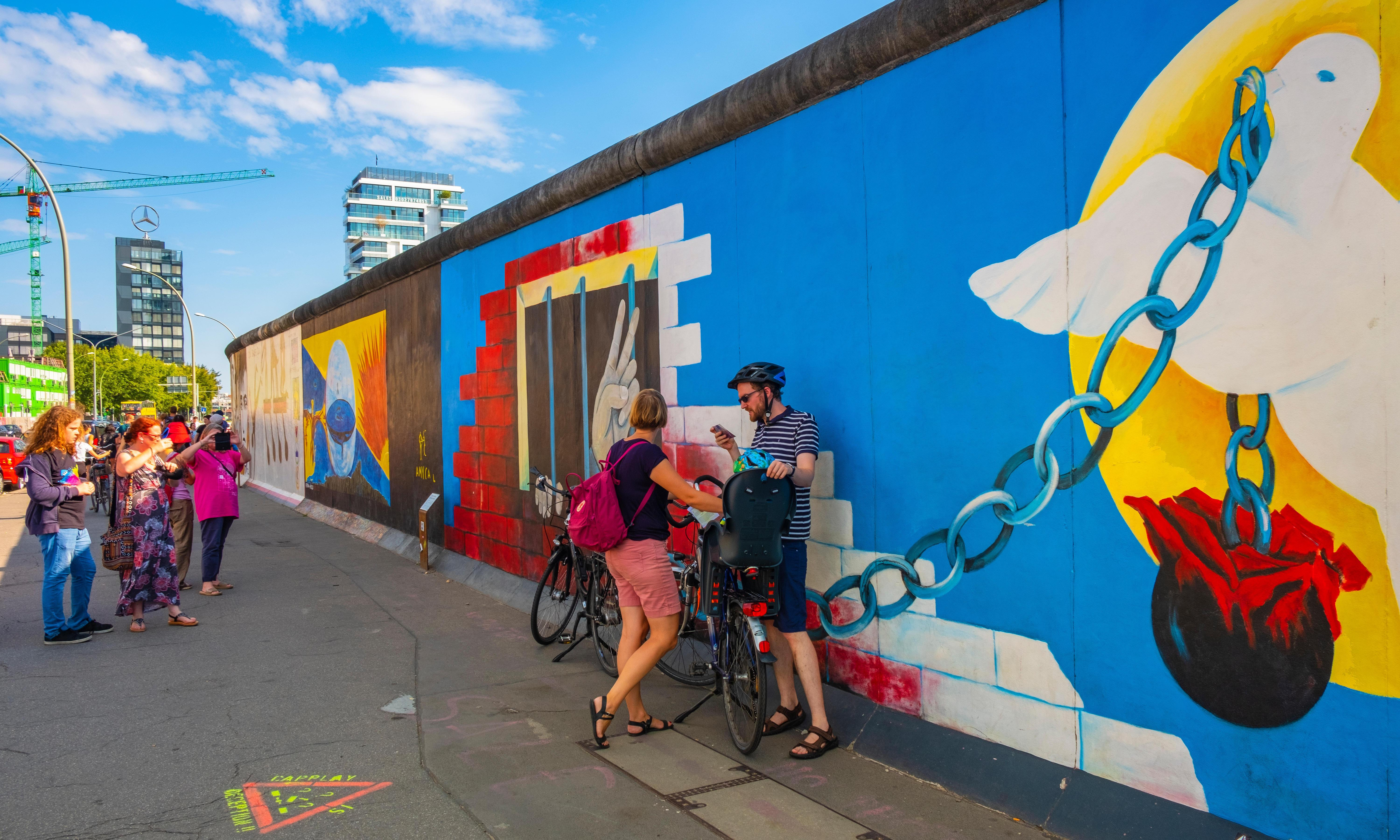 Back to the wall: cycling Berlin's Mauerweg