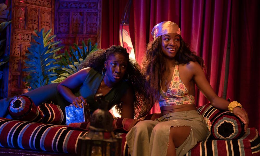 Growing pains ... Ronkẹ Adékoluẹjo as Ṣade and Racheal Ofori as Dela in Big Age.