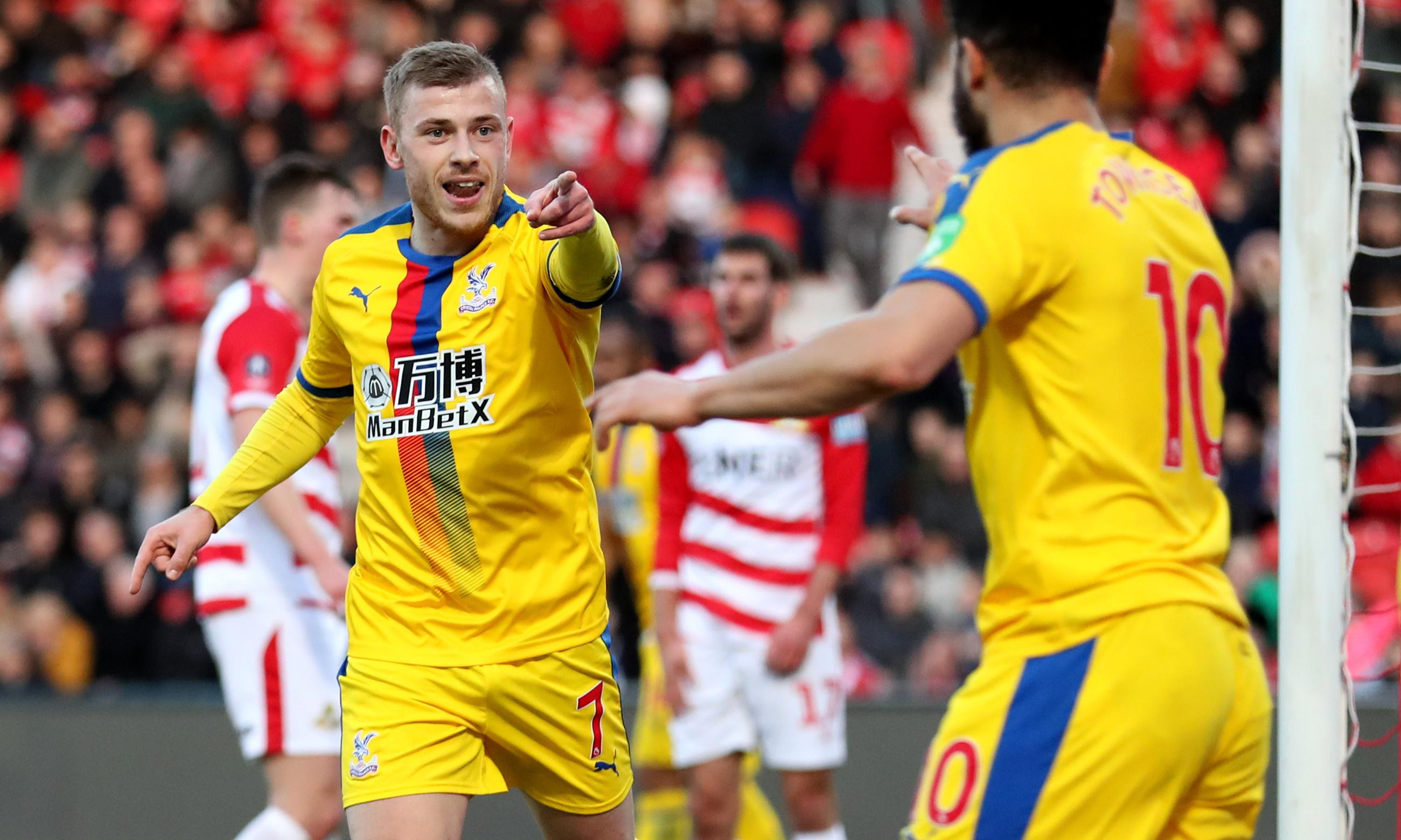 Jeffrey Schlupp sets Crystal Palace on path to last eight against Doncaster