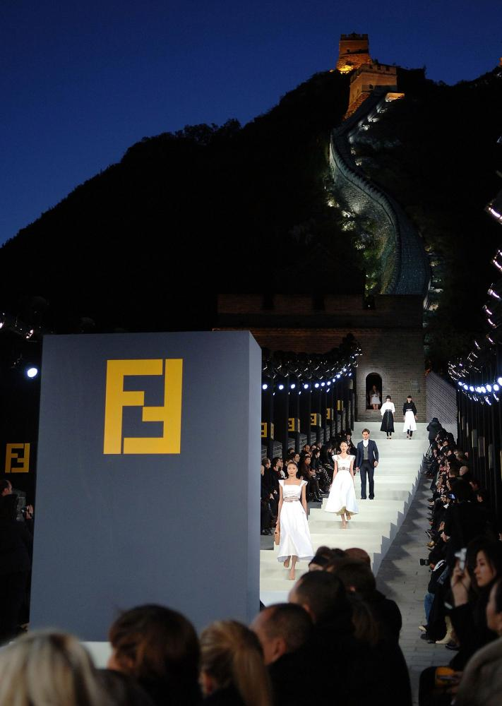 Lagerfeld's Great Wall of China show for Fendi, 2007.