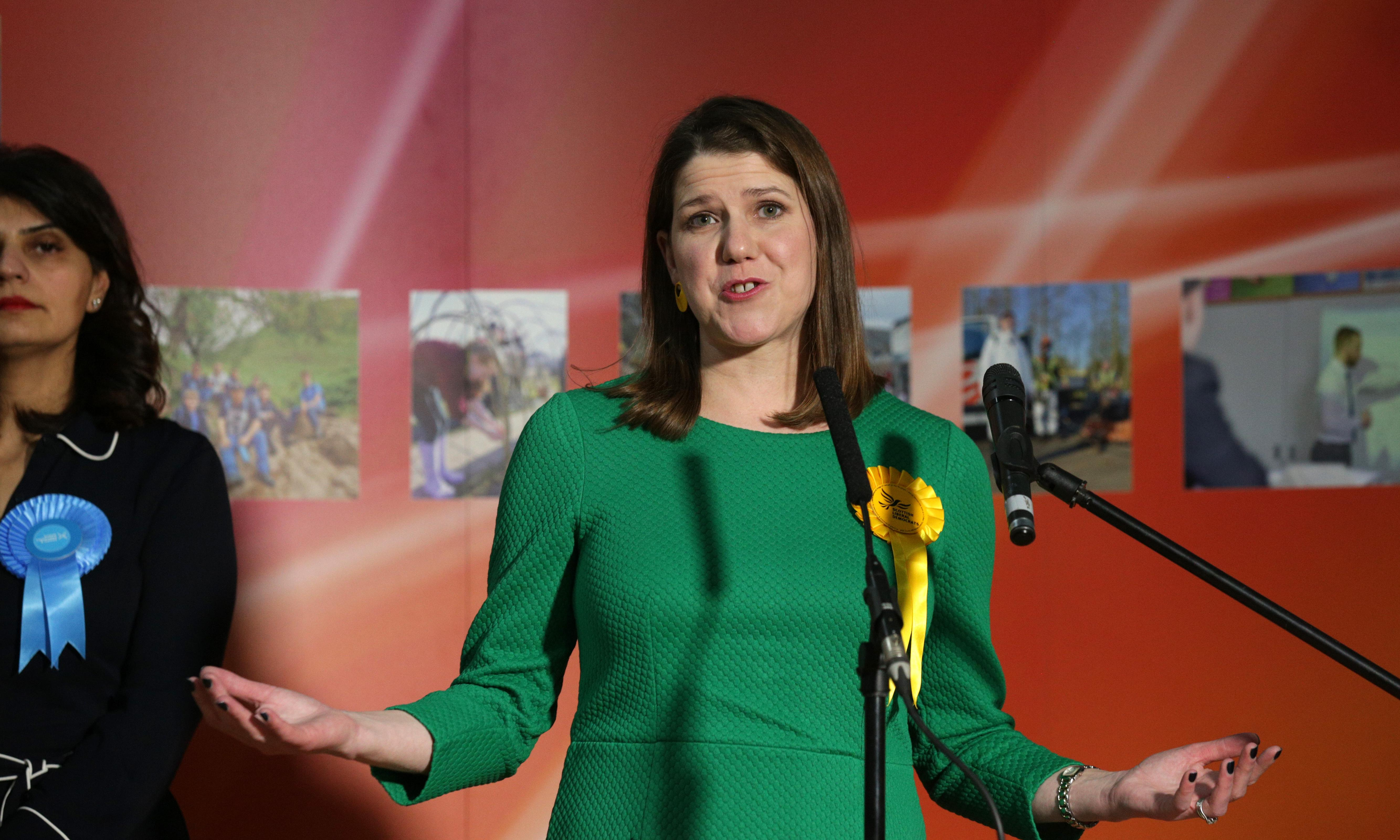 Jo Swinson quits as Lib Dem leader after losing her own seat