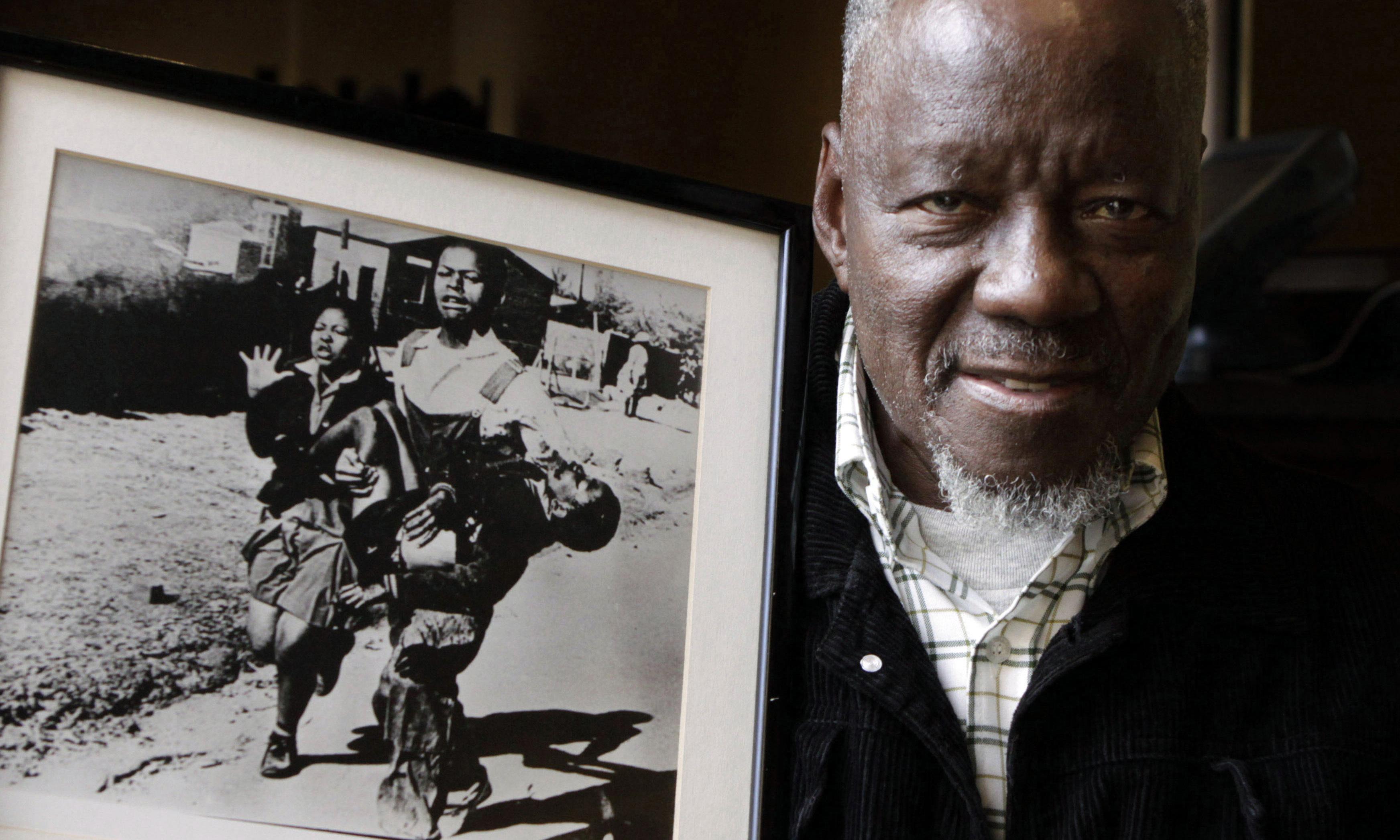 South African photographer Sam Nzima dies aged 83