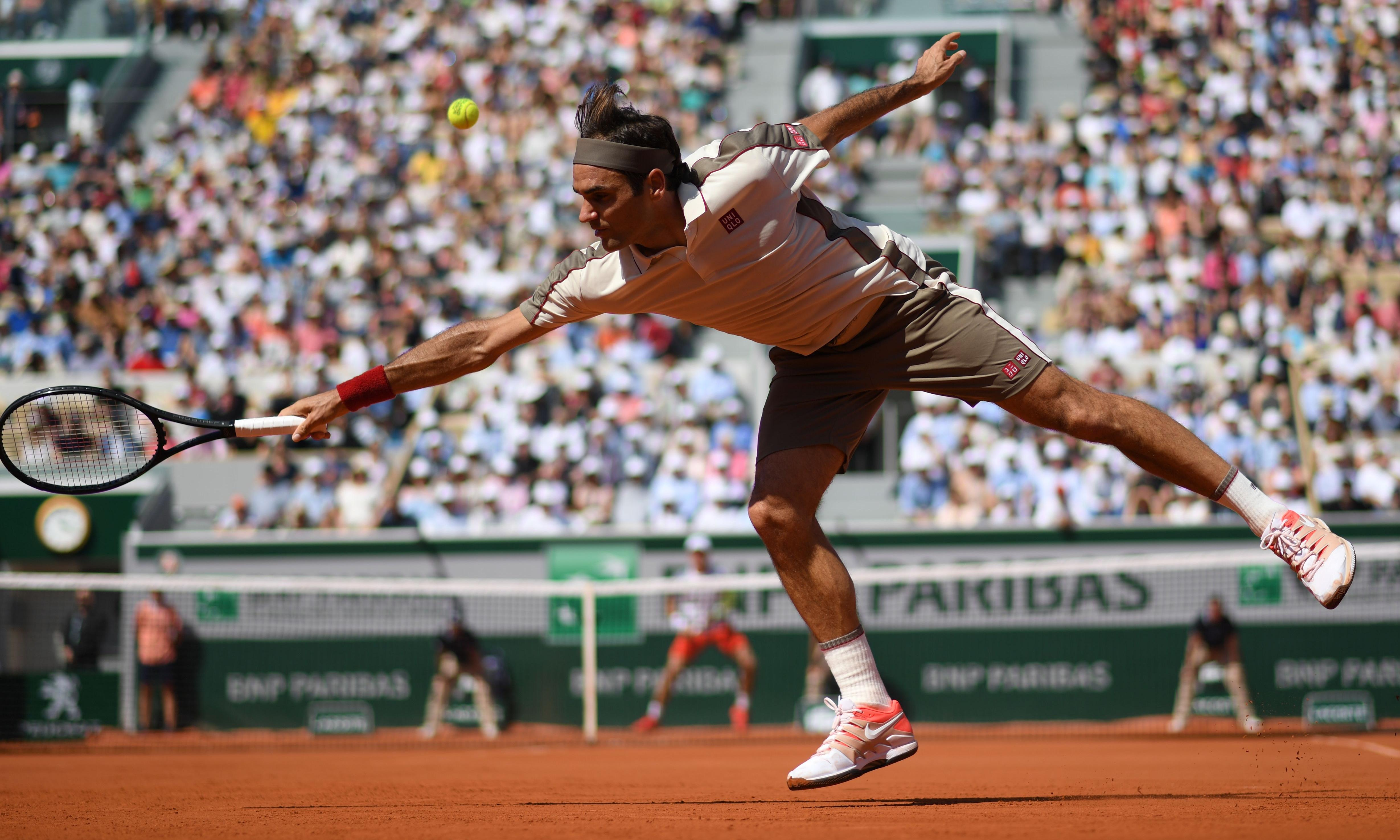 French Open: Roger Federer catches fire while Rafael Nadal survives stutter