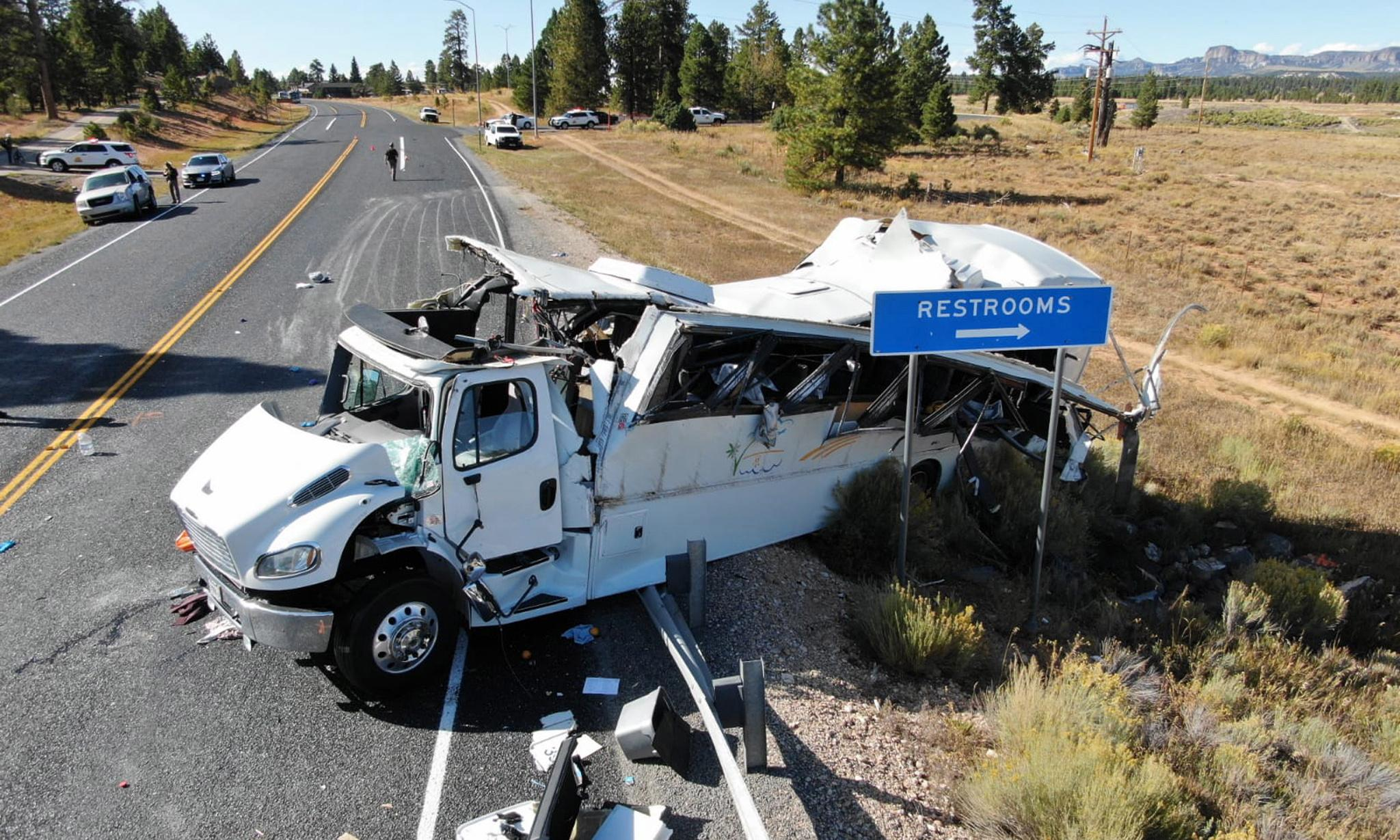 Utah police: death toll could rise in bus crash that killed four Chinese tourists