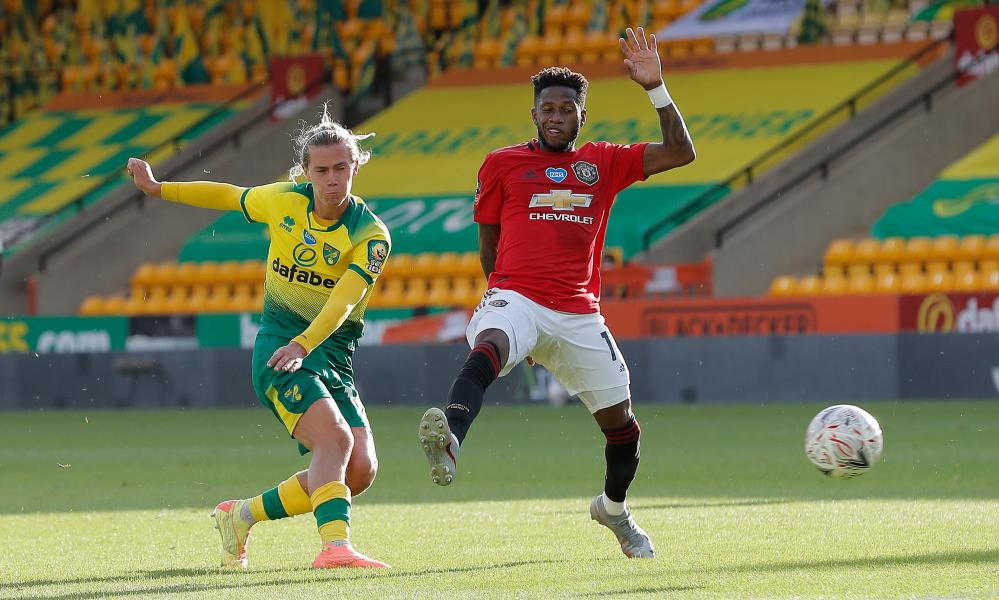 Todd Cantwell of Norwich City strikes in the equalising goal!