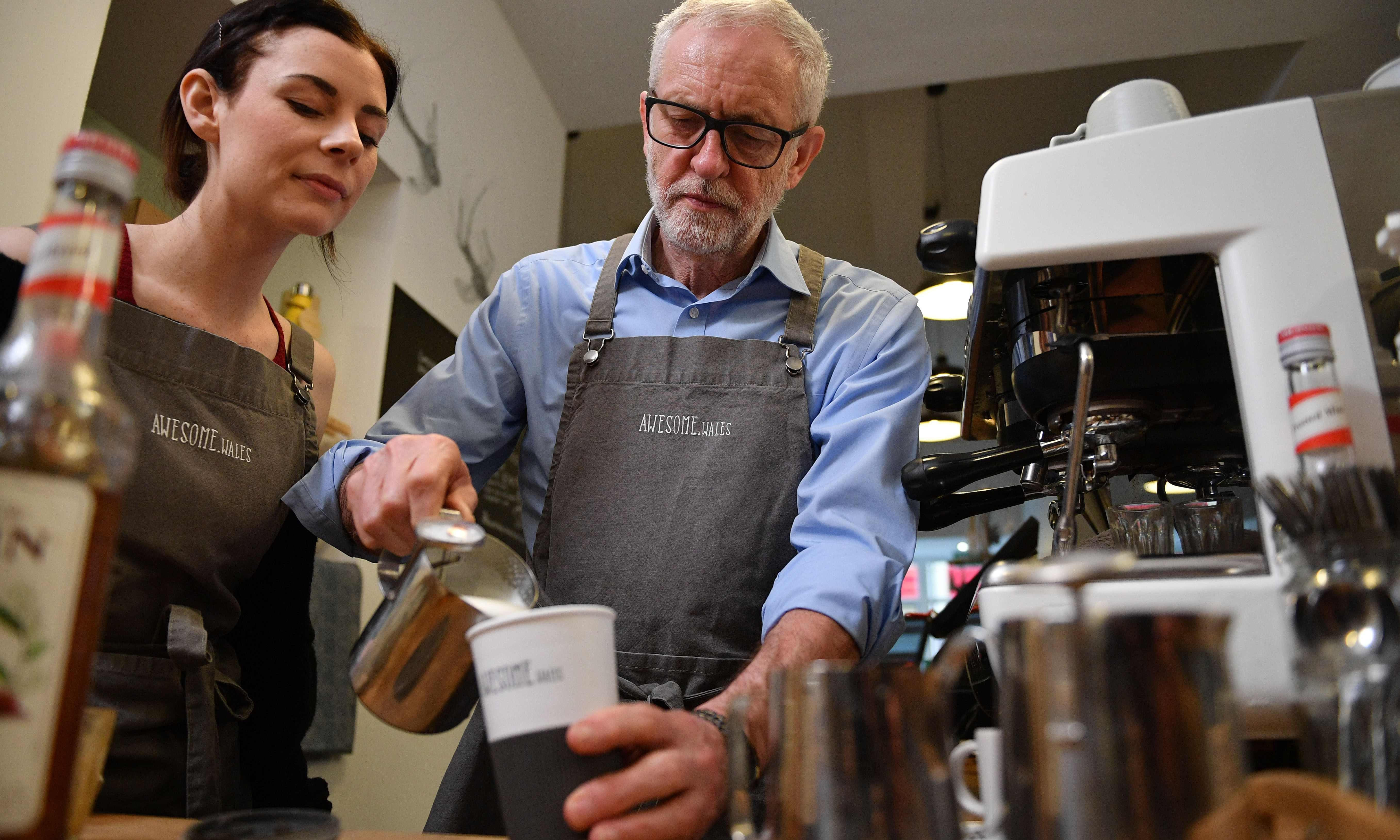 Coffee, jam and confidence as Jeremy Corbyn comes to the seaside