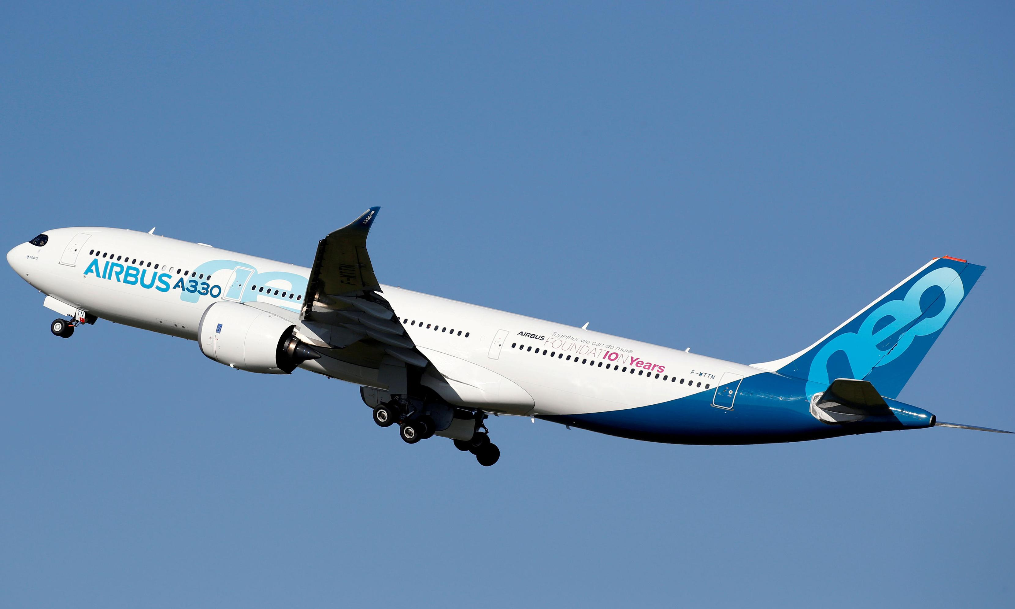 Airbus on course to overtake Boeing as biggest planemaker