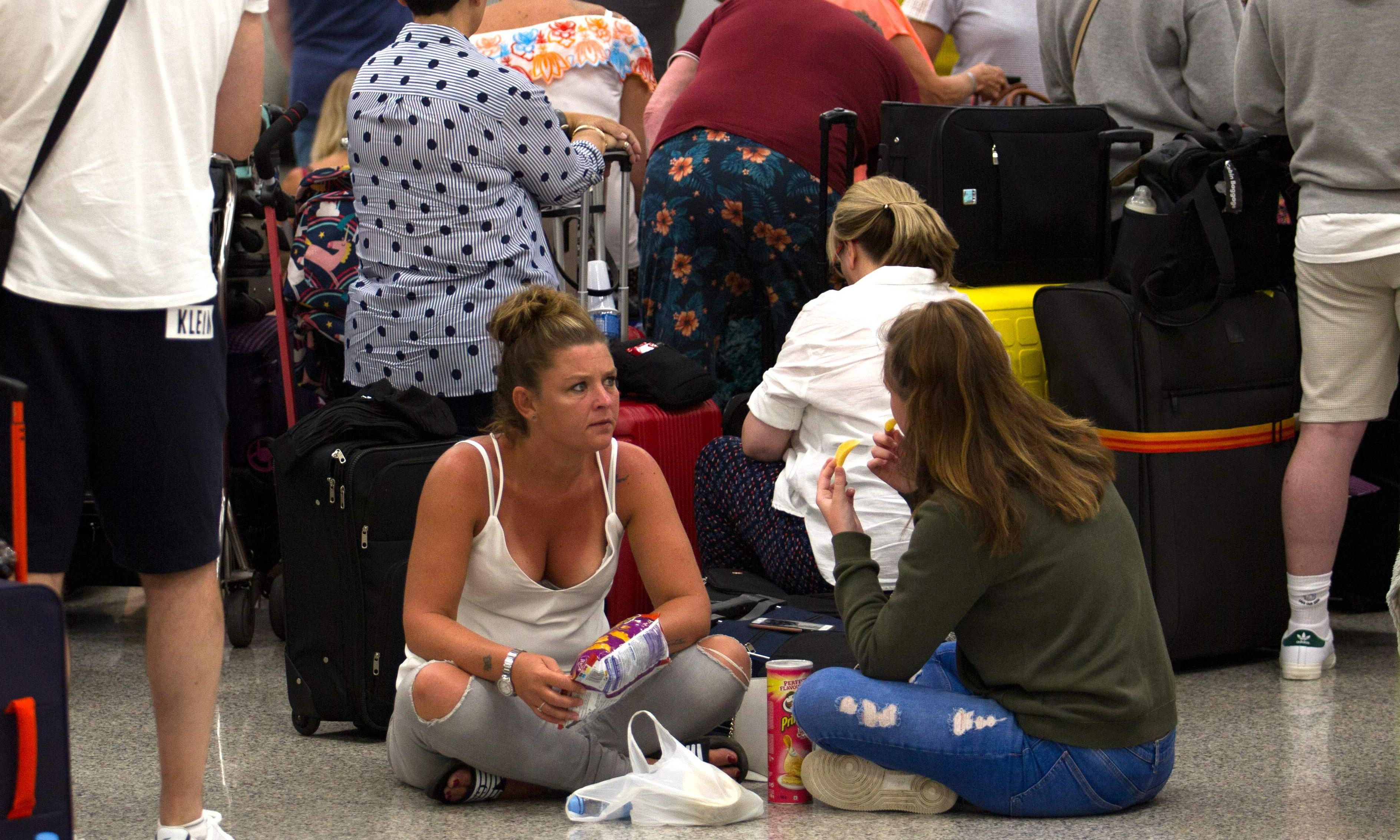 'We're fuming': long wait for Thomas Cook travellers in Mallorca