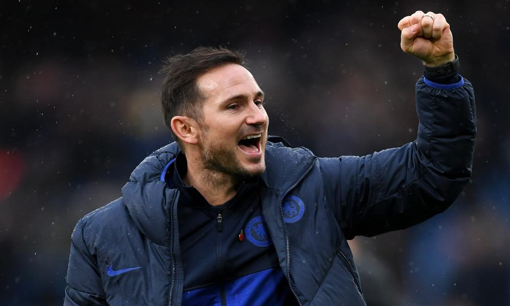 Chelsea managar Frank Lampard looks pleased with the result.